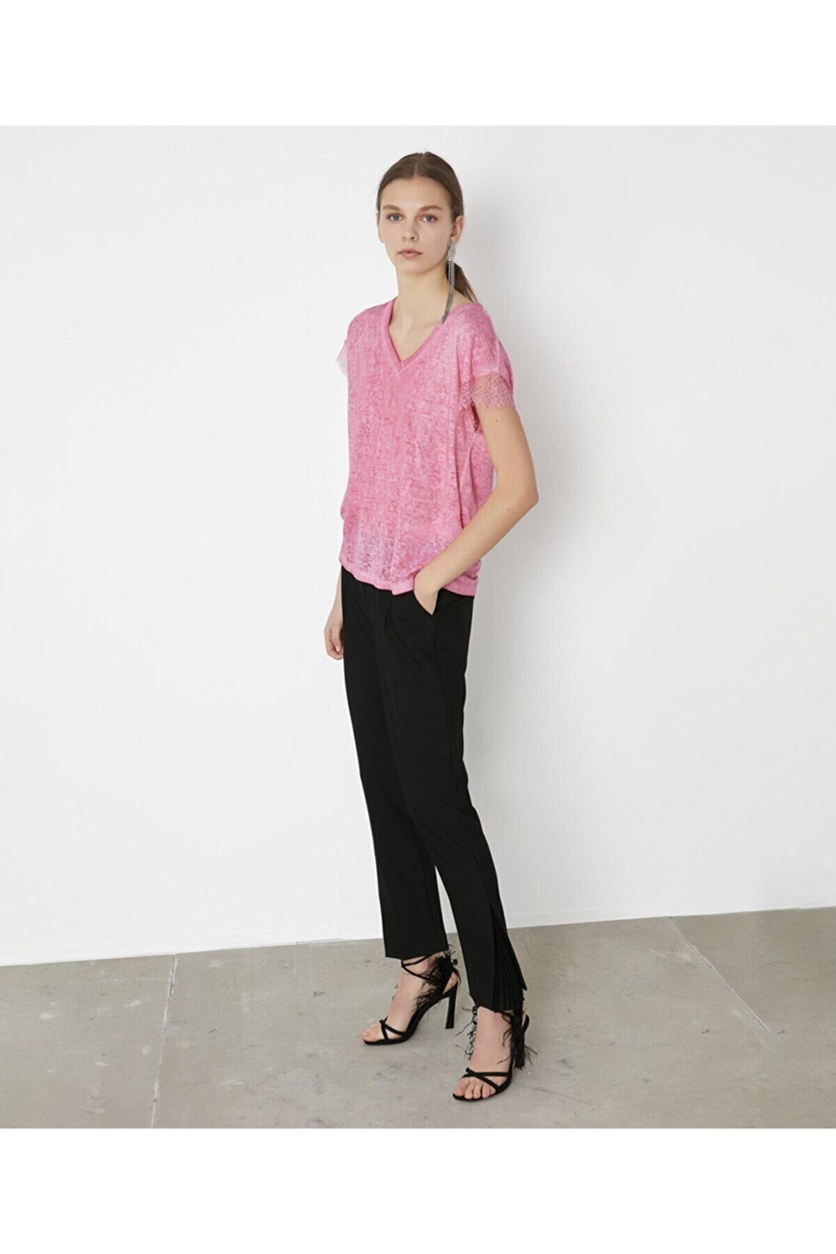İpekyol Kadın Pembe Dantel Şeritli V Yaka Tshirt