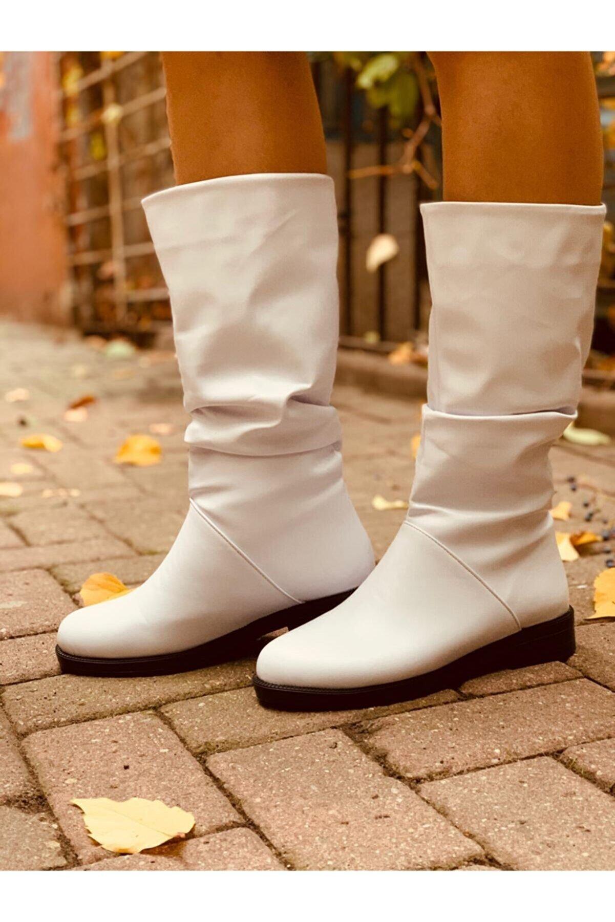 TGT AYAKKABI Kadın Beyaz Büzgülü Çizme