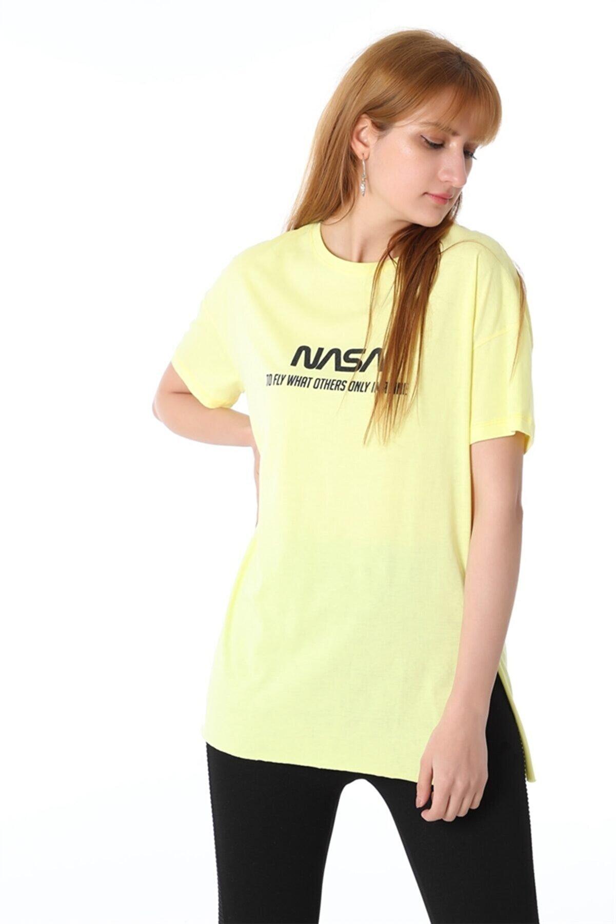 Chamakh Kadın Sarı Alice Baskılı Tshirt