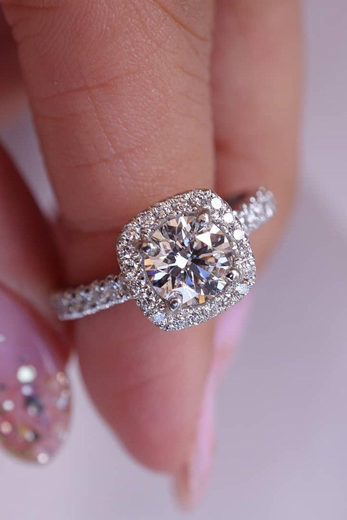 Crystal Diamond Zirconia Labaratuvar Pırlantası 1.01 Carat Tektaş Yüzük  7asfdtek10111