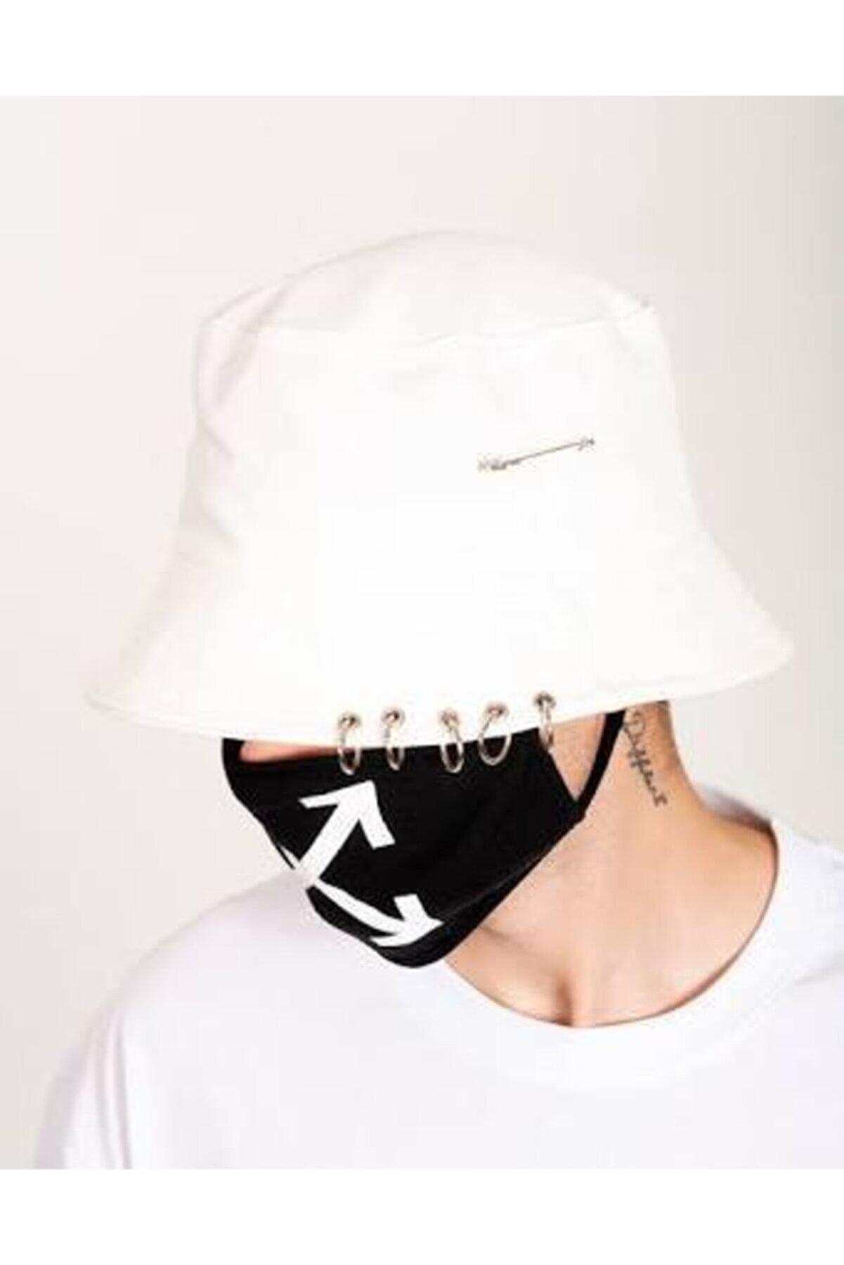 Köstebek Piercingli Beyaz Bucket Hat Kova Şapka