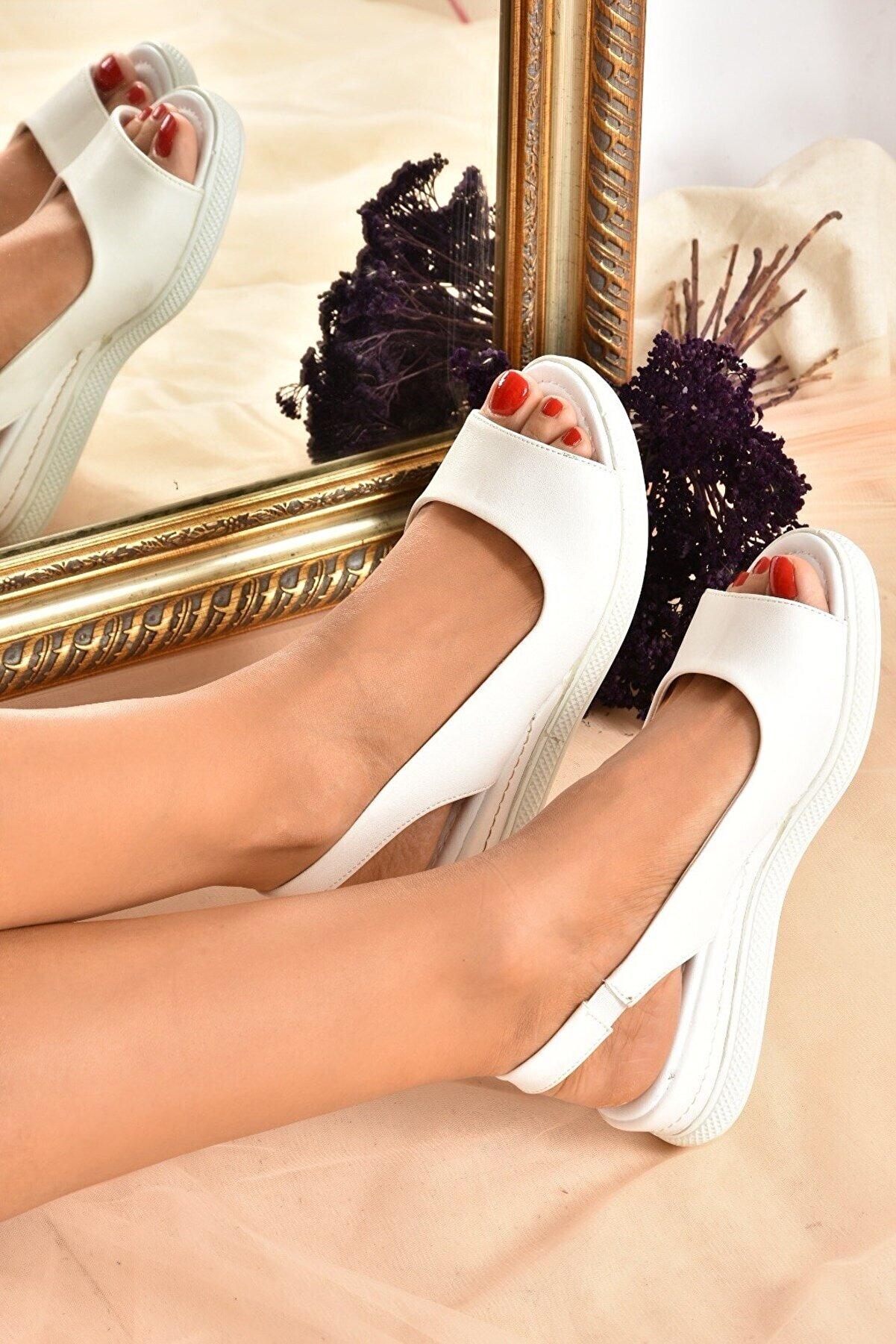 Fox Shoes Kadın Beyaz Sandalet K674300609
