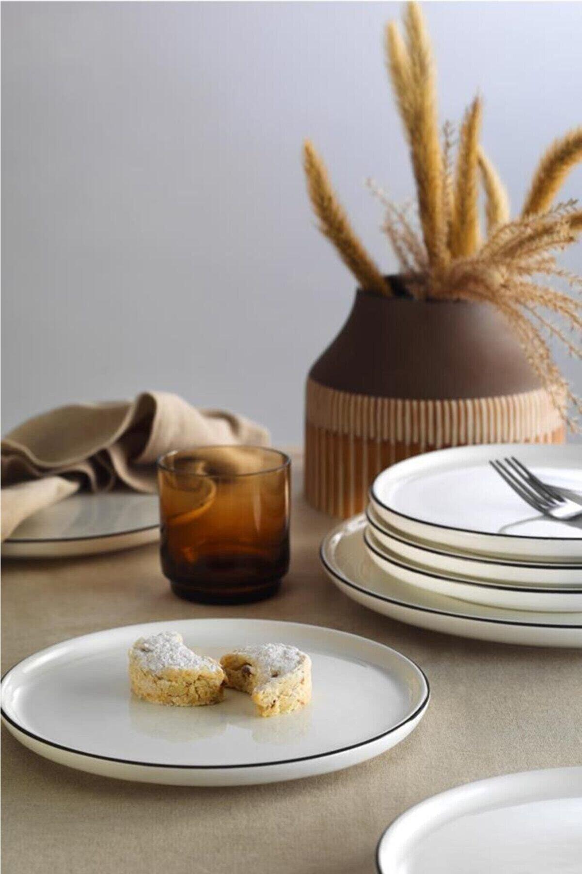 Kütahya Porselen Seramik 21 Cm Siyah Fileli Pasta Tabağı (6 Adet)