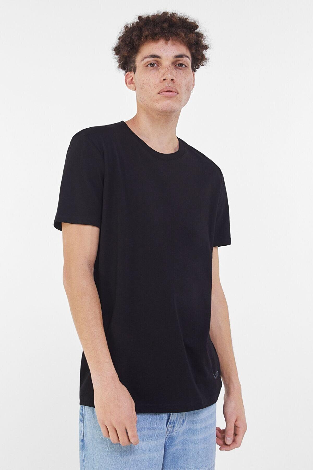 Bershka Erkek Siyah Normal Kalıp Tişört 02368901