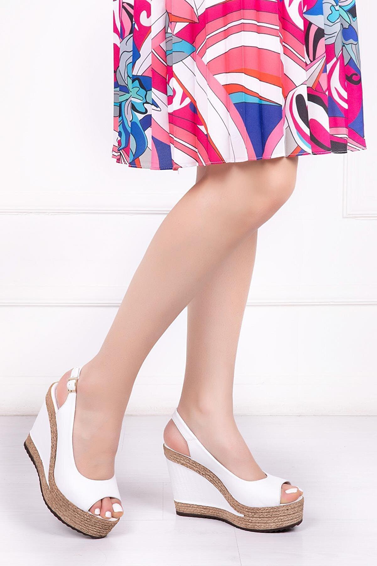 Deripabuc Hakiki Deri Beyaz Kadın Dolgu Topuklu Deri Sandalet Dp42-0760