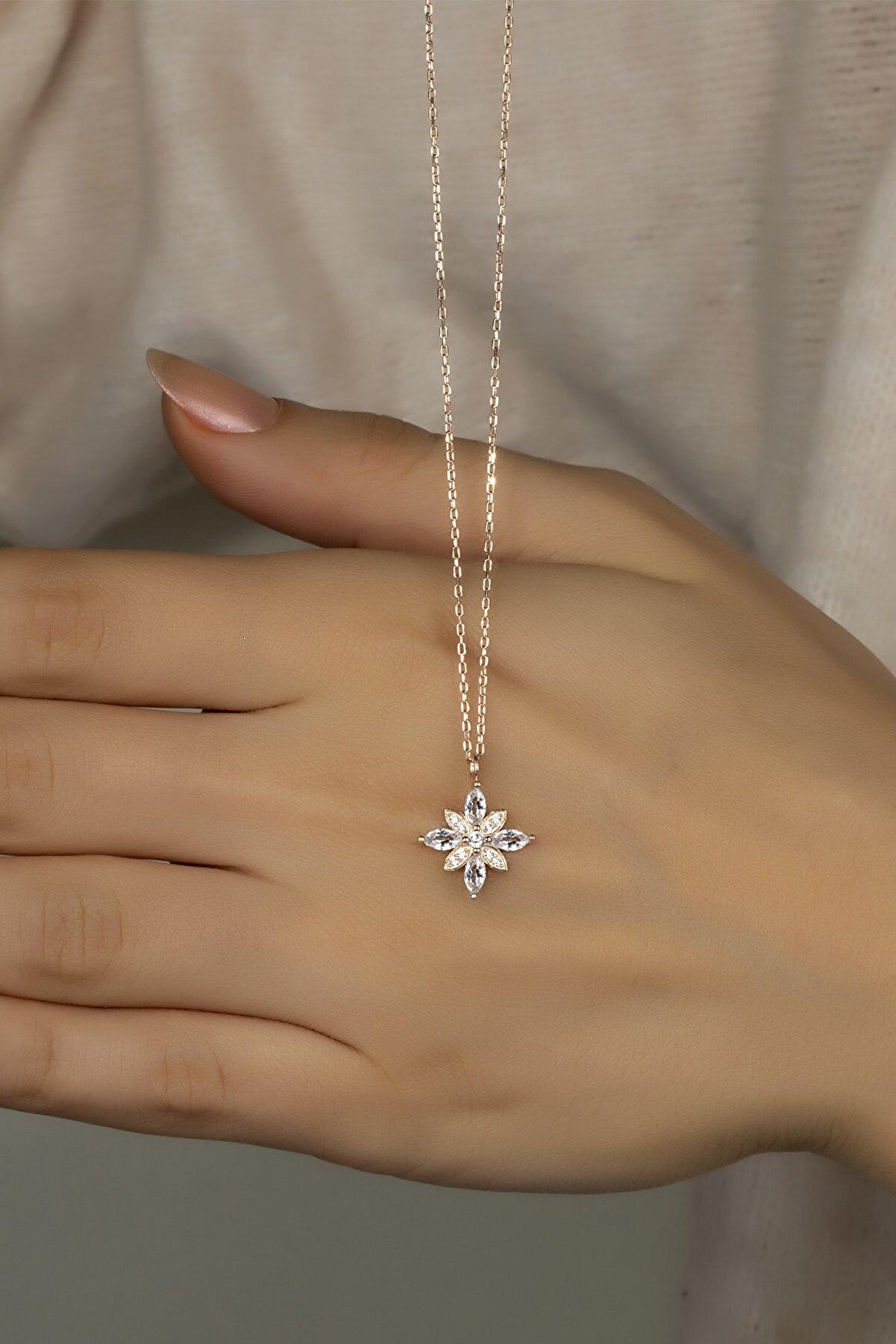 Feays Silver 925 Ayar Gümüş Umut Çiçeği Kolye