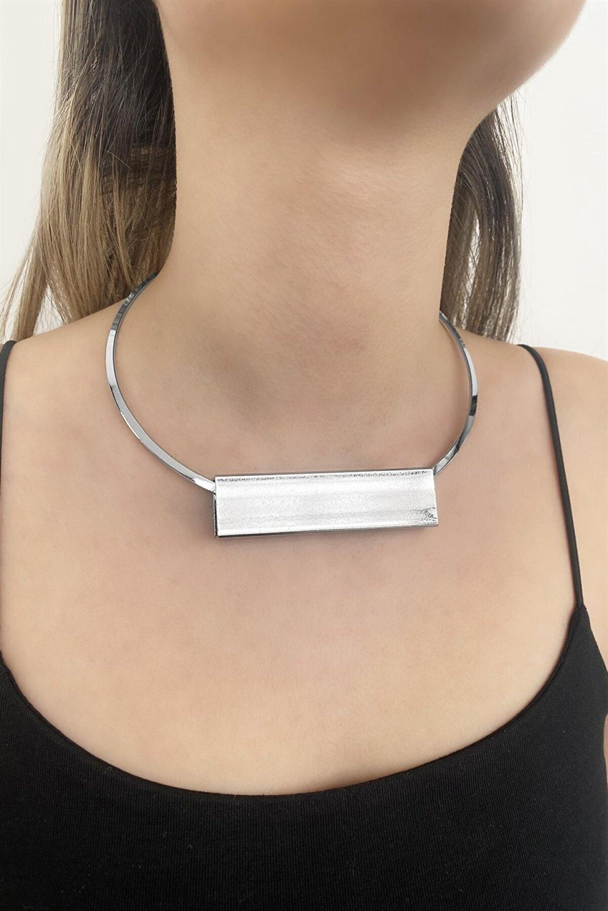 Takıştır Kadın Gümüş Renk Özel Tasarım Çember Kolye