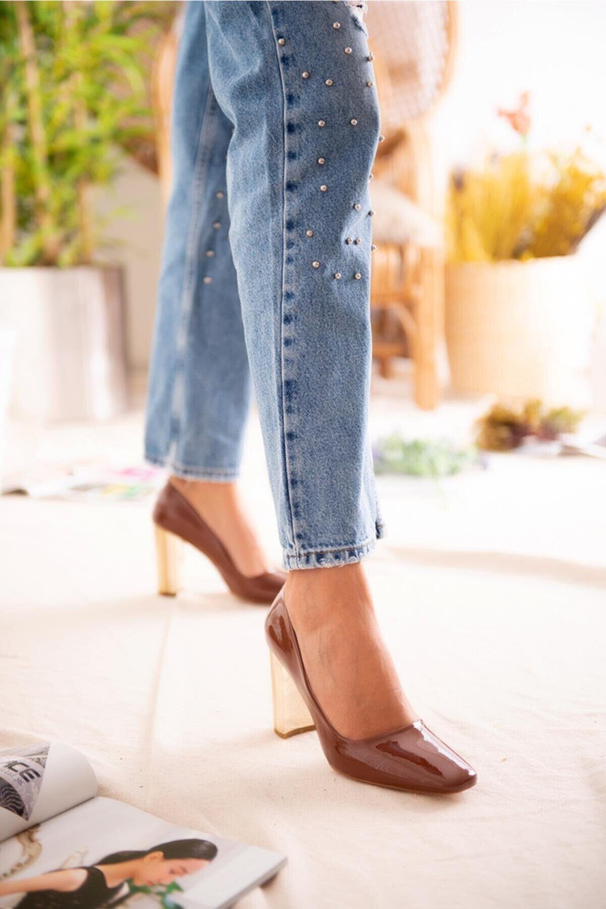 Jilberto Lainey Taba Parlak Rugan Topuk Detaylı Ayakkabı