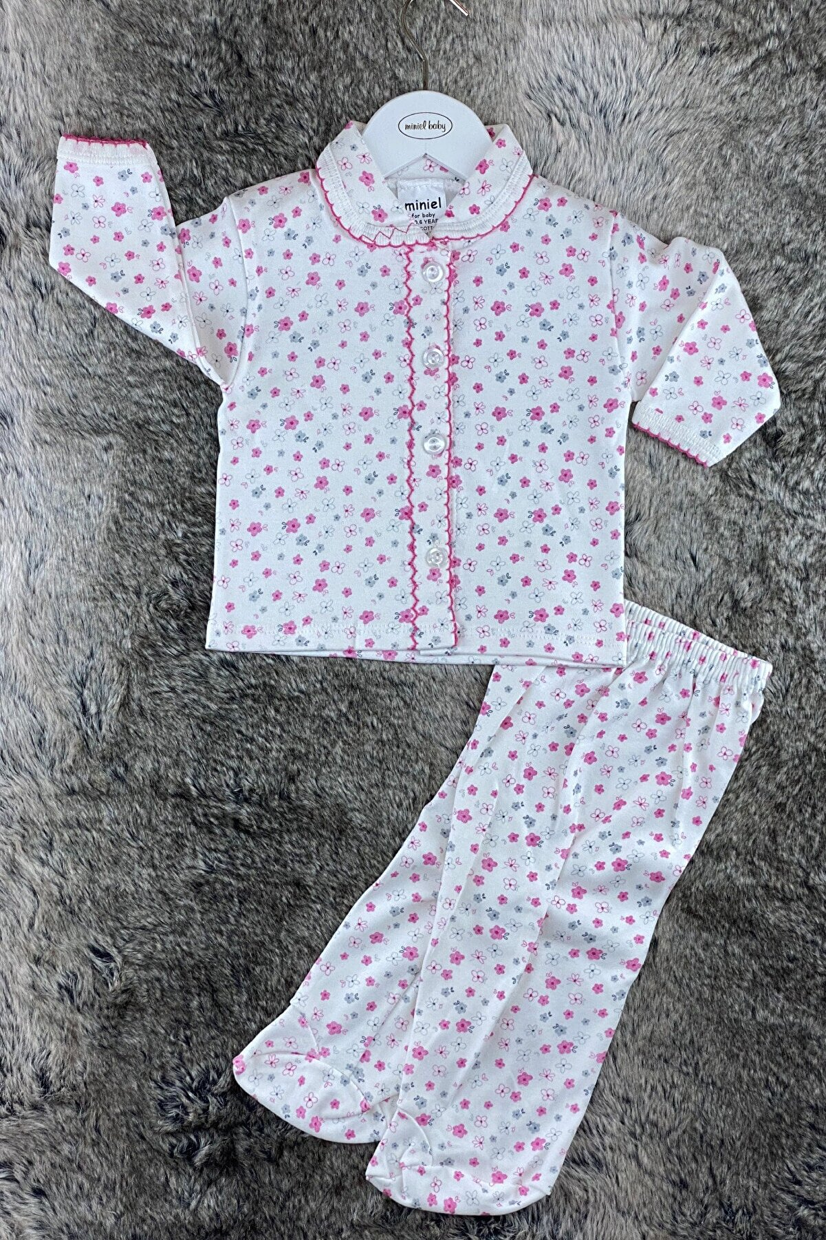 Miniel Fujya Çiçekler Vadisi Desenli Kız Bebek Penye Patikli Pijama Takımı