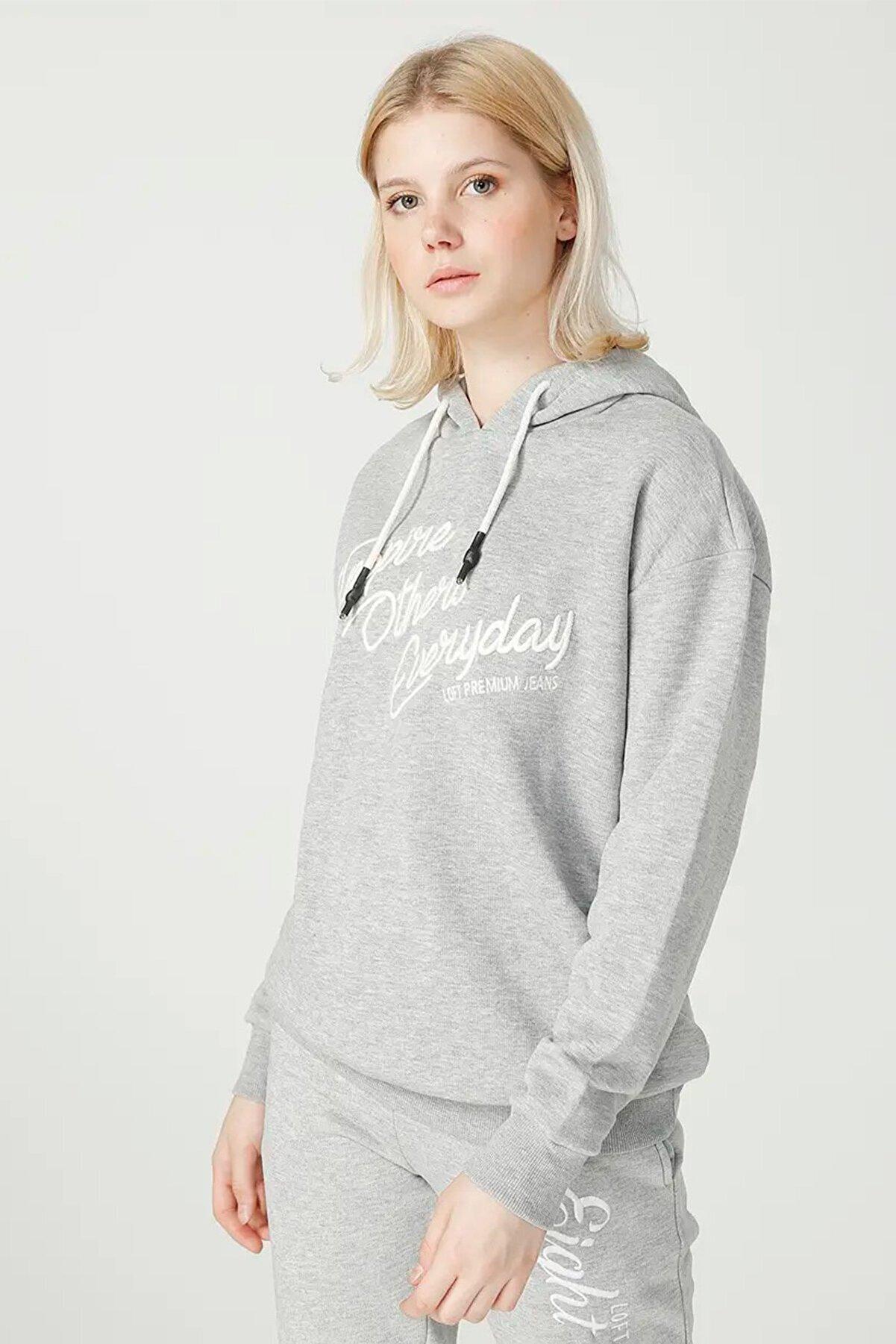 Loft Kadın Yazılı Kapüşonlu Gri Sweatshirt Lf2025560
