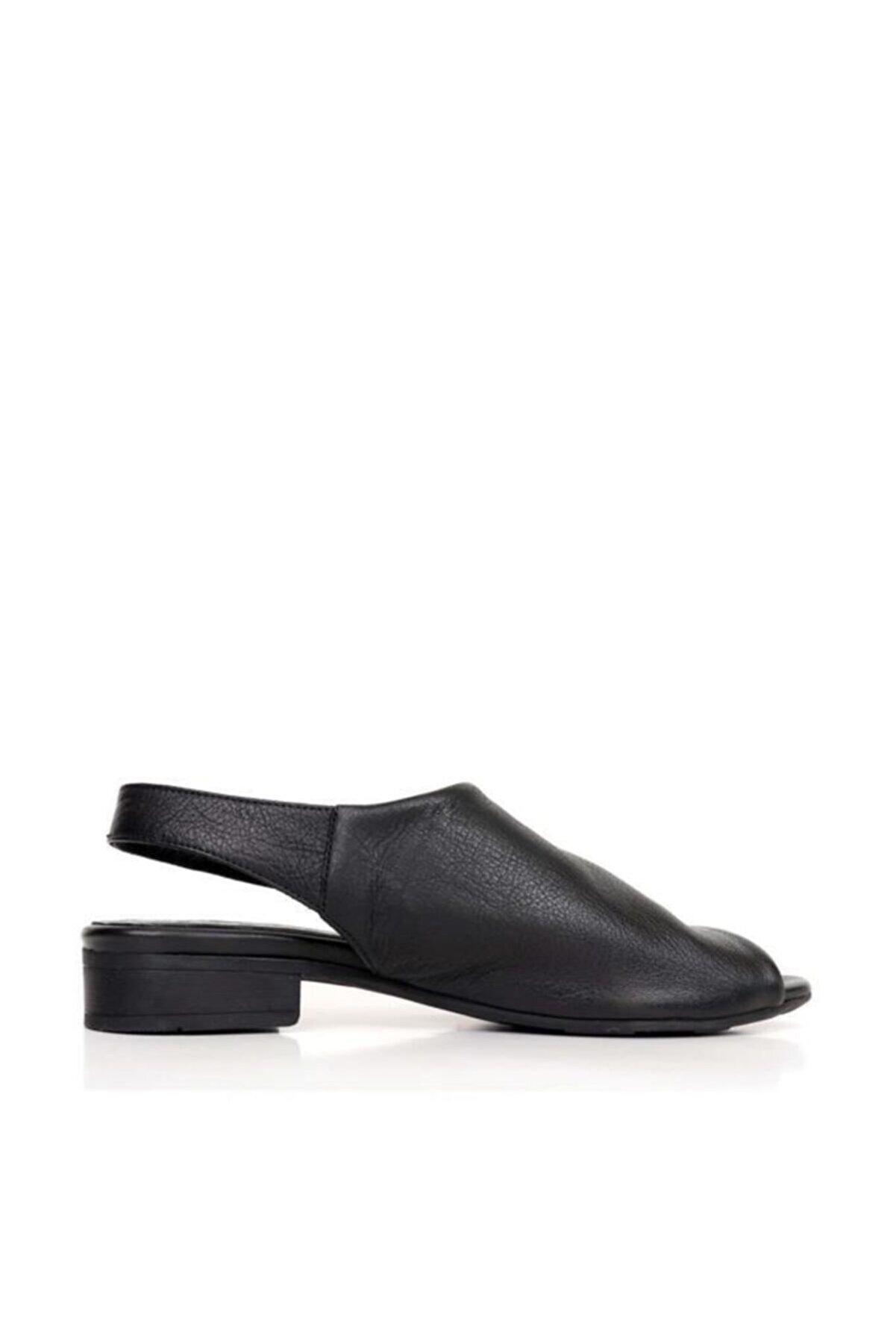 BUENO Shoes Kemerli Hakiki Deri Kadın Düz Sandalet 9n5119