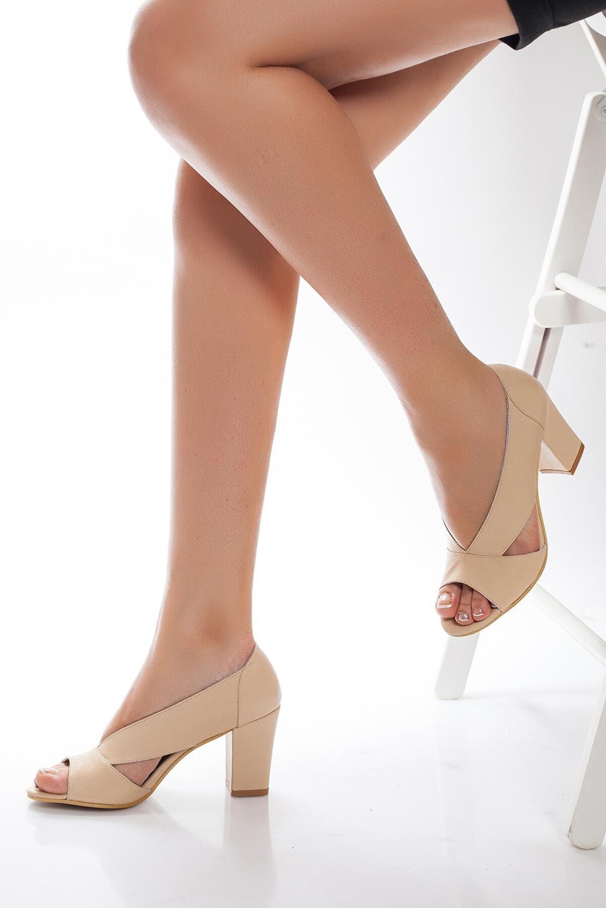 Deripabuc Hakiki Deri Bej Kadın Topuklu Deri Ayakkabı Shn-0072