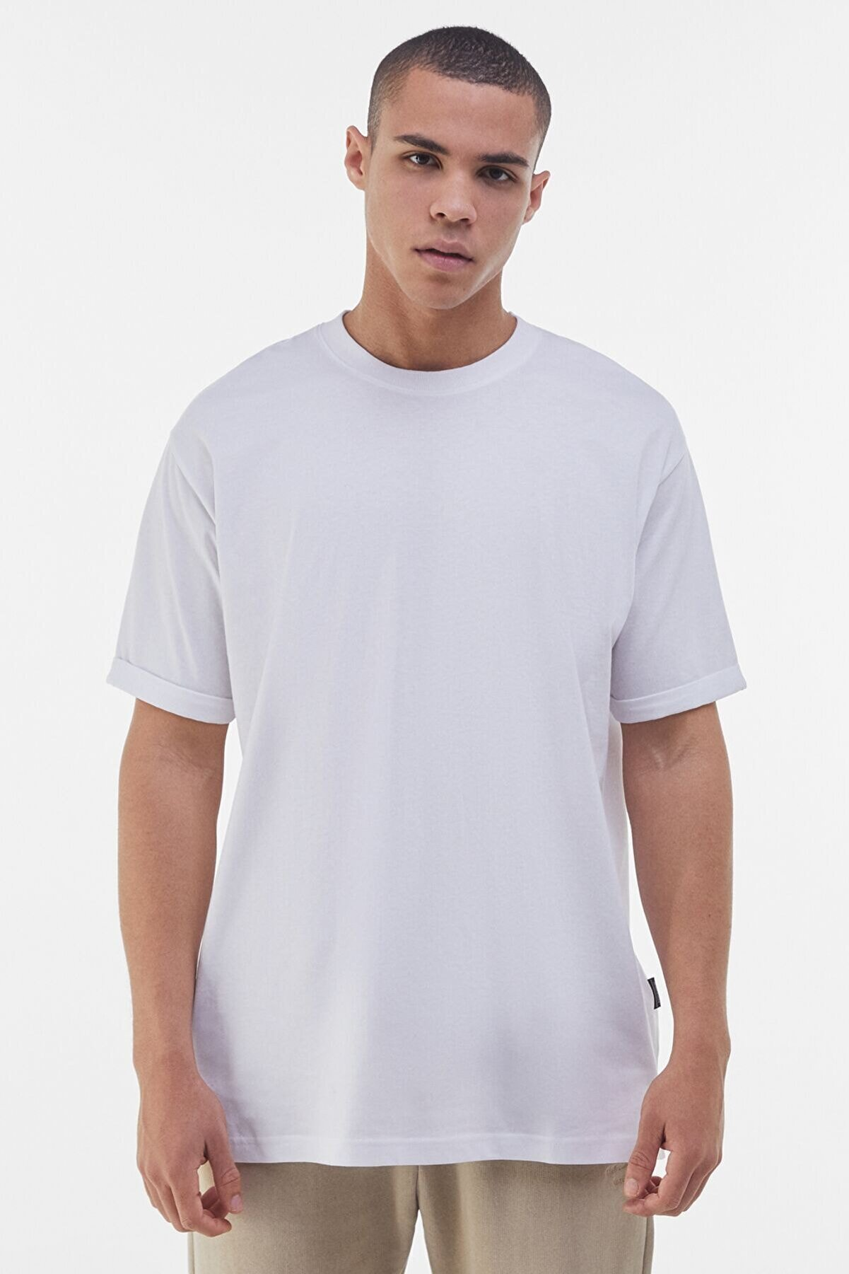Bershka Erkek Beyaz Long Fit T-shirt