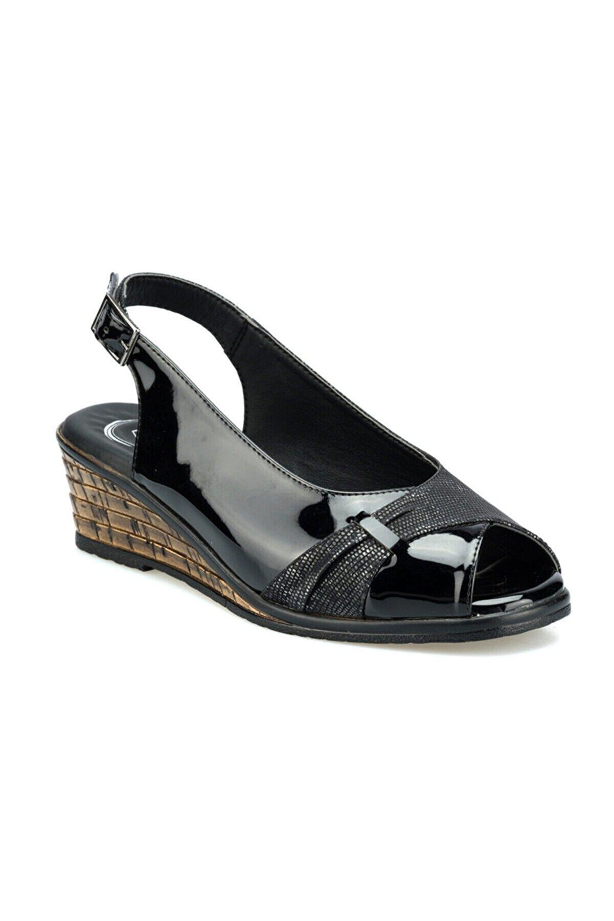 Polaris 103071RZ Siyah Kadın Sandalet 100508772