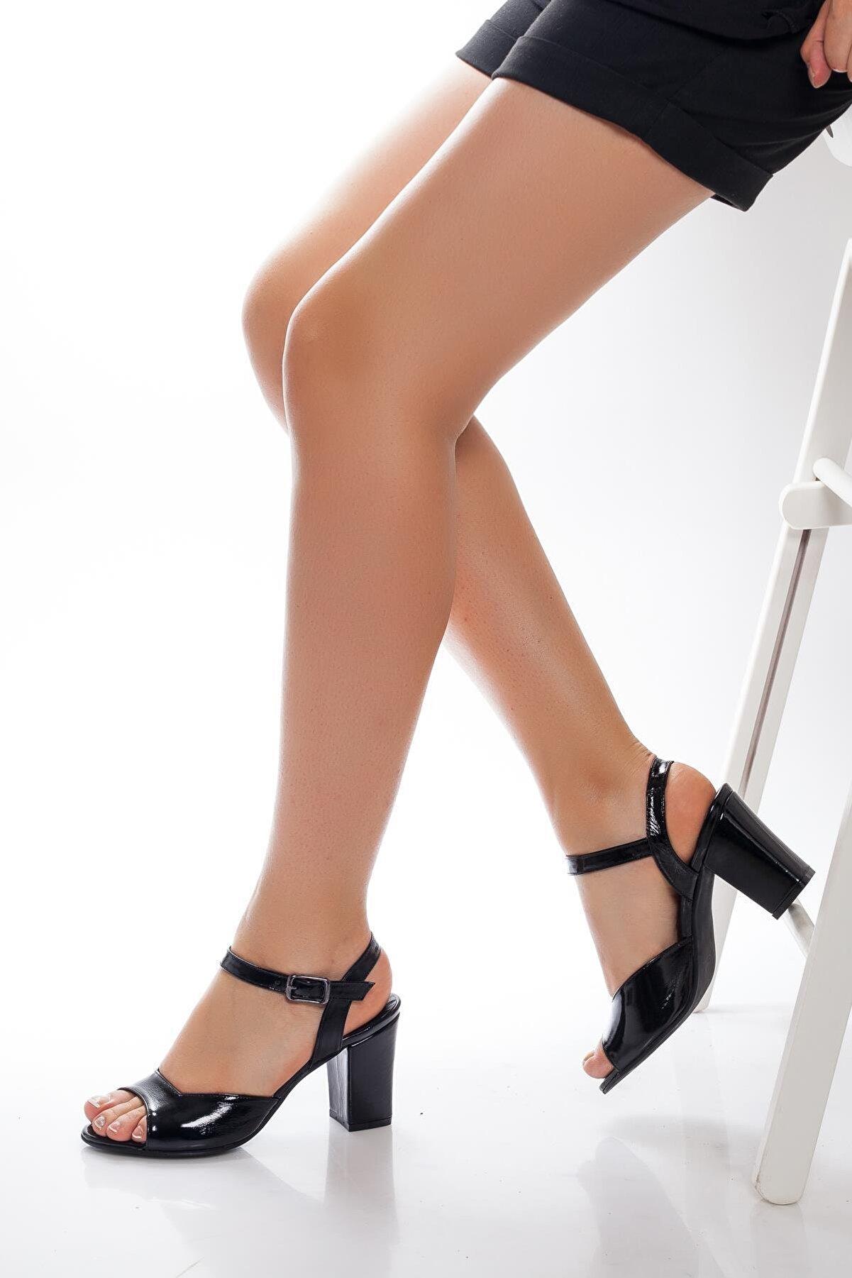 Deripabuc Hakiki Deri Siyah Rugan Kadın Topuklu Deri Ayakkabı Shn-0037