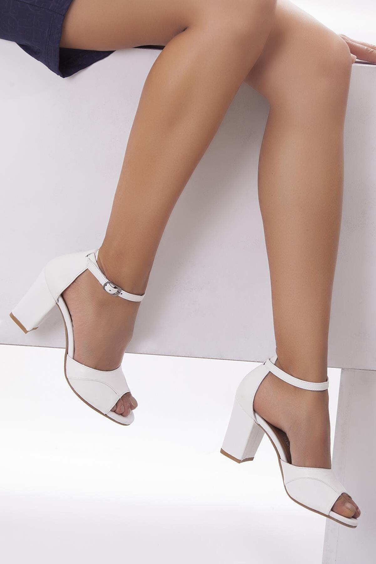 Deripabuc Hakiki Deri Beyaz Kadın Topuklu Deri Ayakkabı Shn-0314