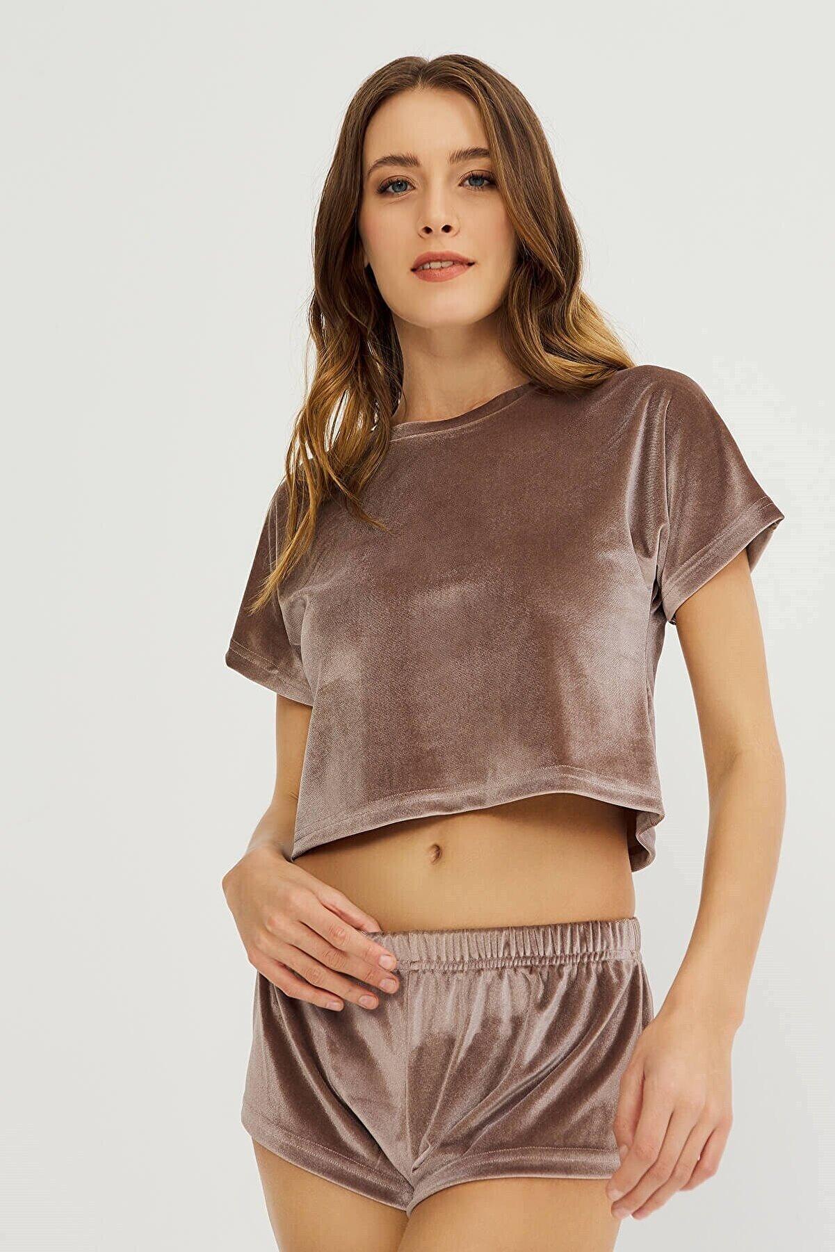 Cottonhill Vizon Kadife Crop Top T-shirt Şortlu Takım