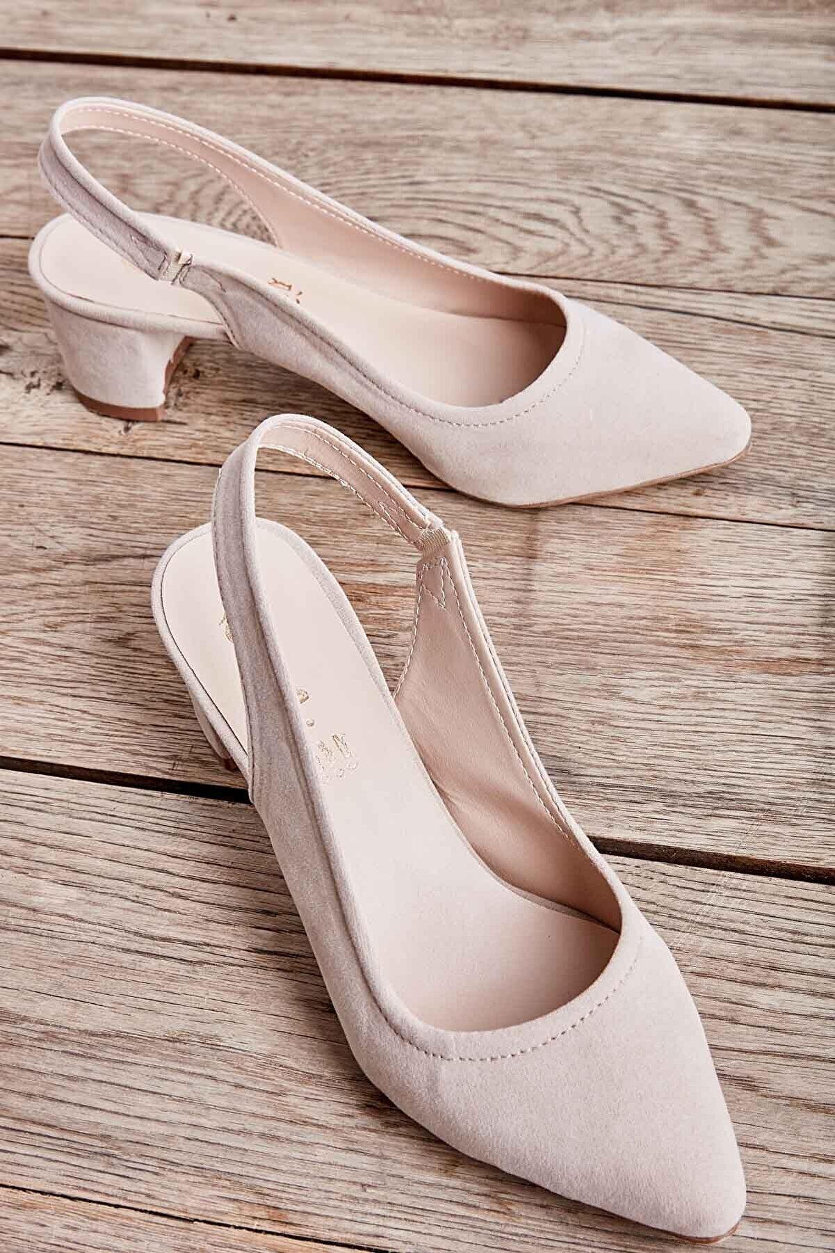 Bambi Bej Süet Kadın Klasik Topuklu Ayakkabı K01503721072