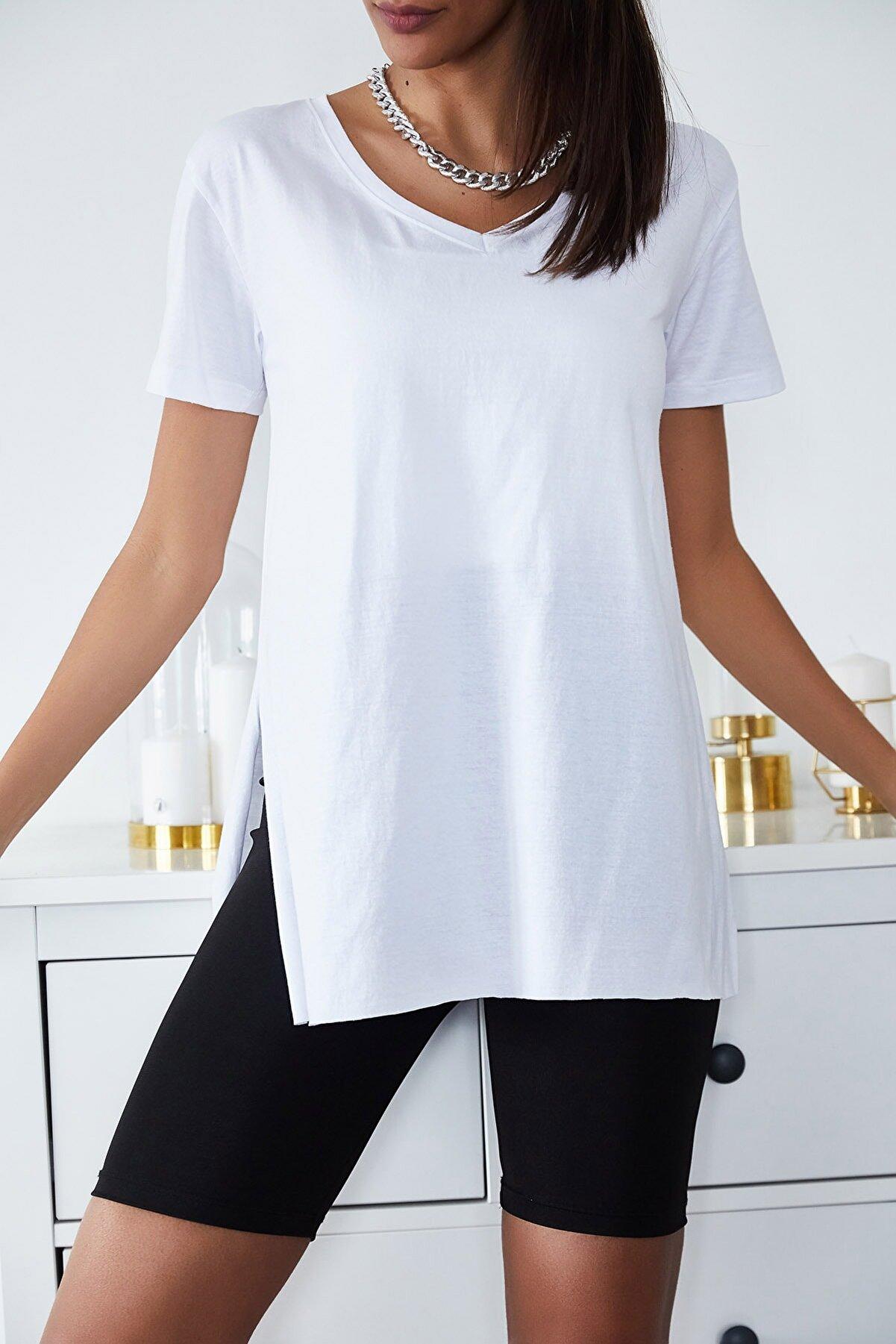 Xena Kadın Beyaz Basic V Yaka Yırtmaçlı T-Shirt 1KZK1-11203-01