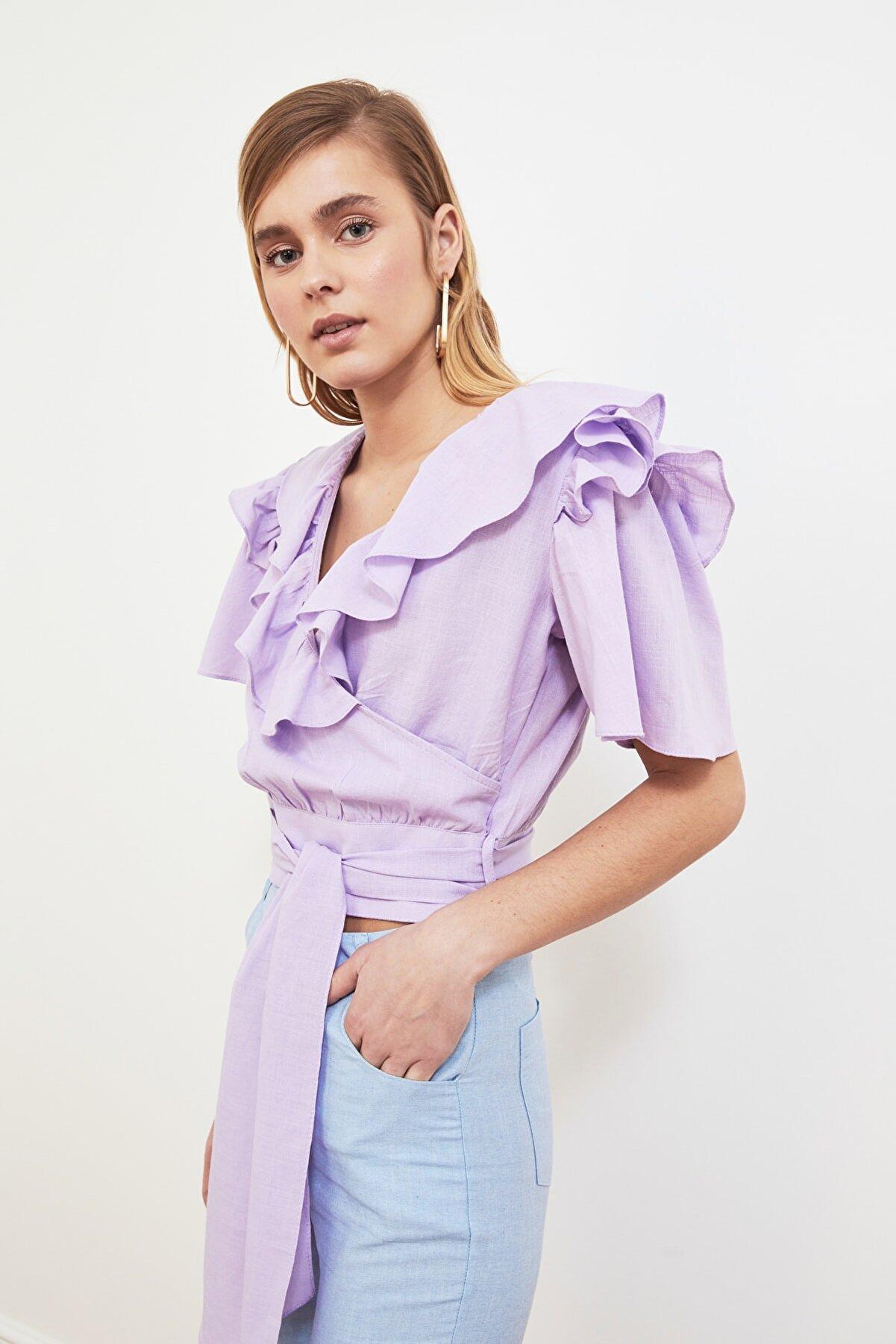 TRENDYOLMİLLA Lila Kuşaklı Volanlı Bluz TWOSS20BZ0351