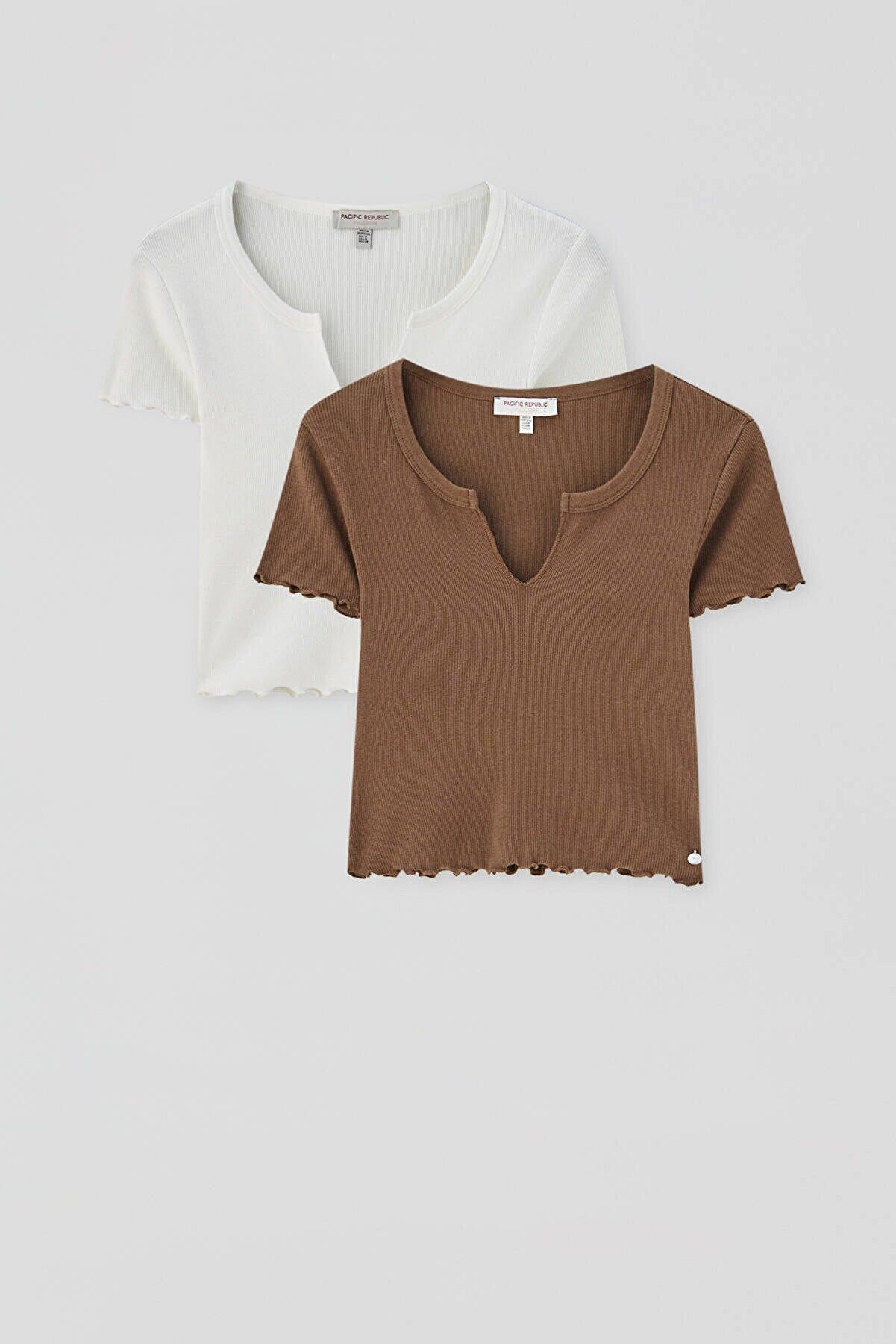 Pull & Bear Yakası Açıklık Detaylı T-Shirt Paketi