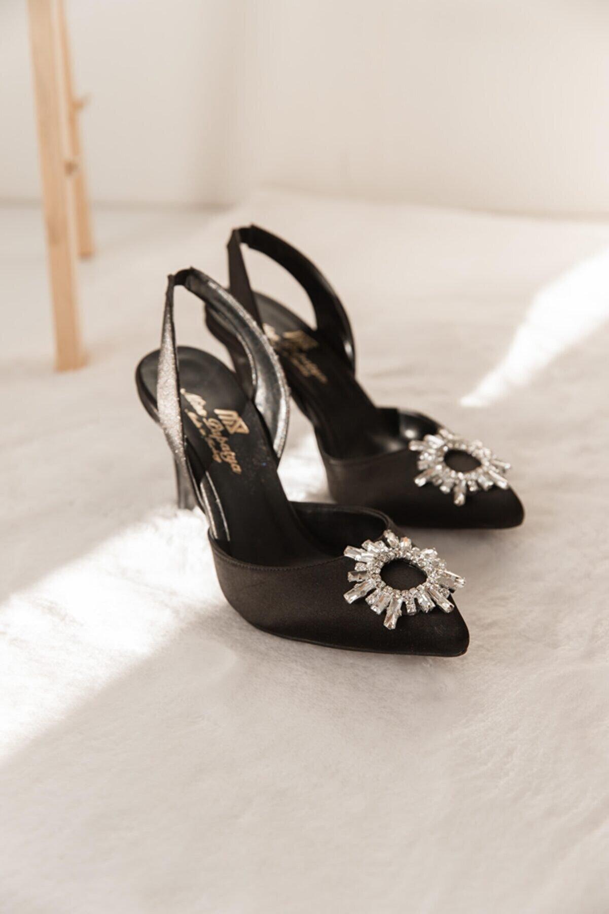 SHOEBELLAS Kadın Siyah Topuklu Ayakkabı