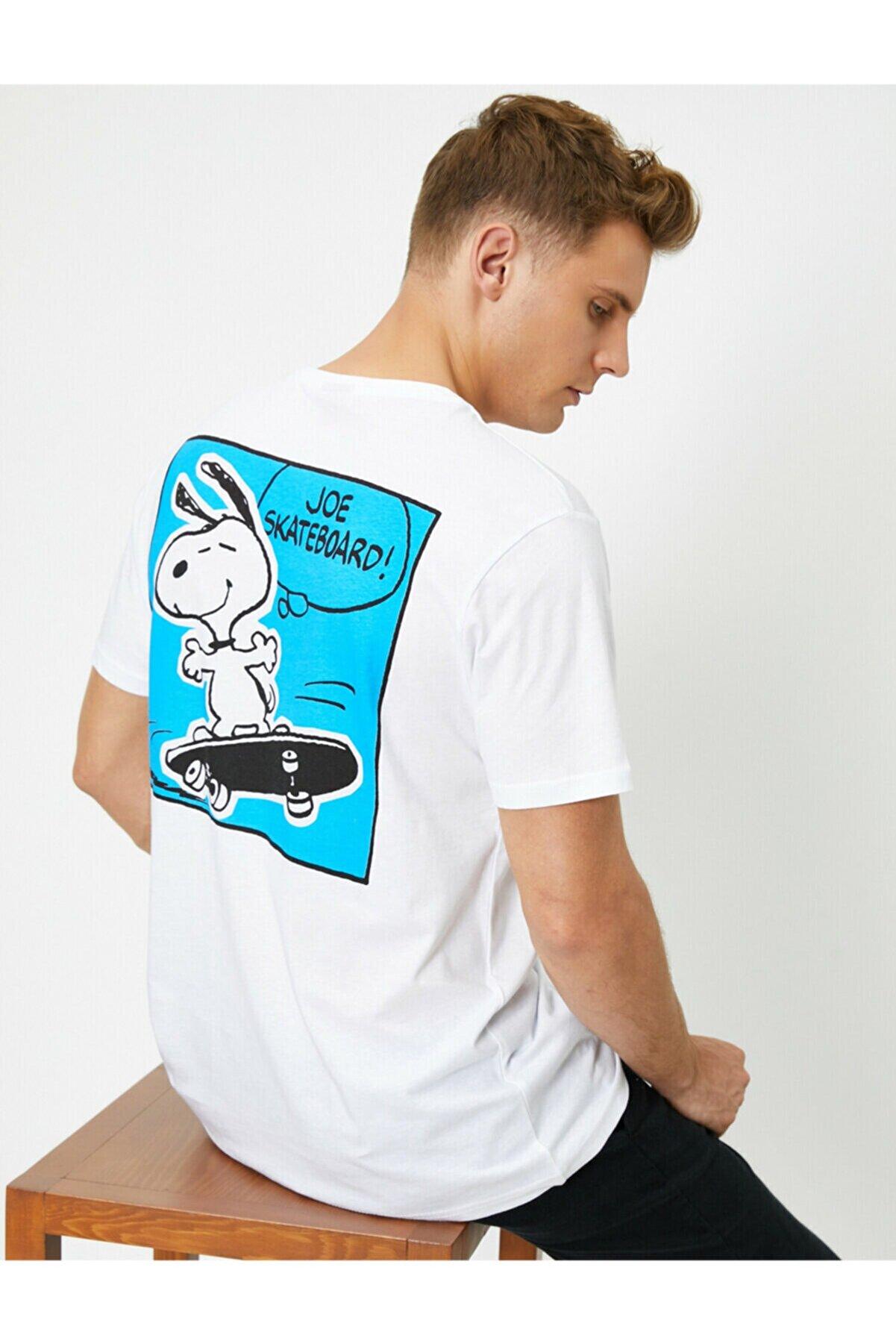 Koton Erkek Beyaz Snoopy Baskili Bisiklet Yaka Tisört