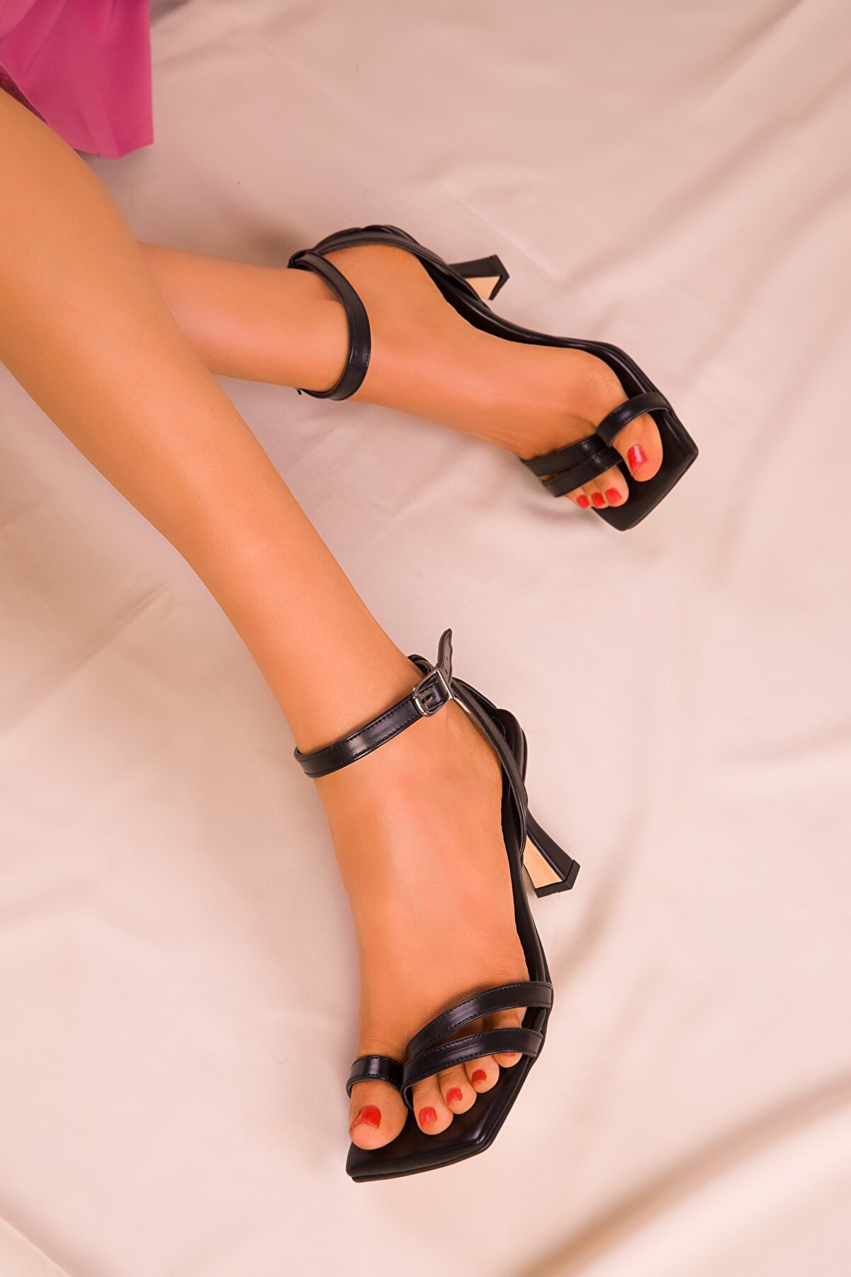 Soho Exclusive Siyah Kadın Klasik Topuklu Ayakkabı 15834