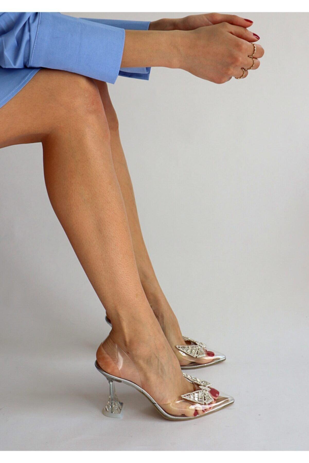 Burhan Atan Şeffaf Stiletto Kelebek Taş Detaylı