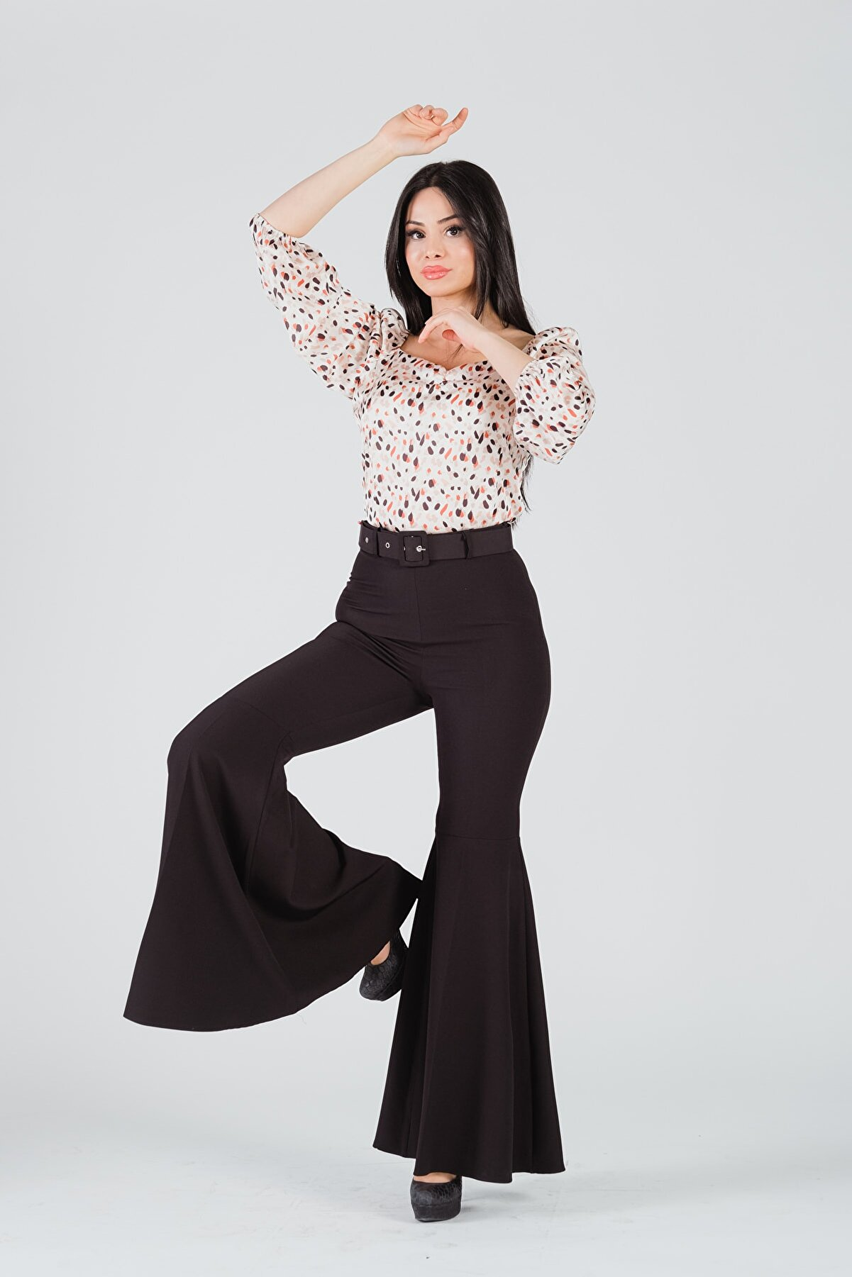 Yare Kadın Siyah Ispanyol Paça Kemerli Pantolon