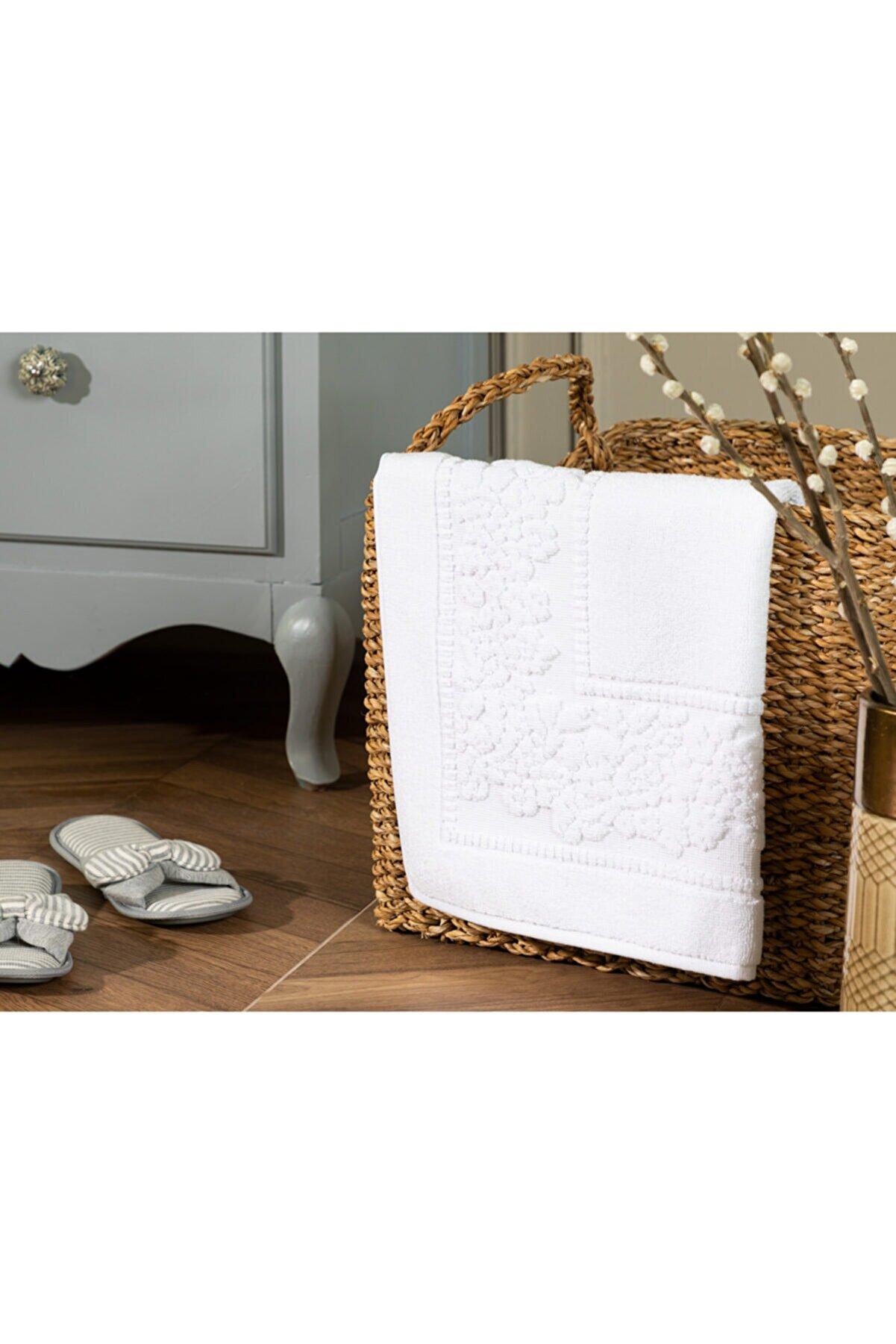 Madame Coco Ranier Ayak Havlusu - Beyaz - 50x80 Cm