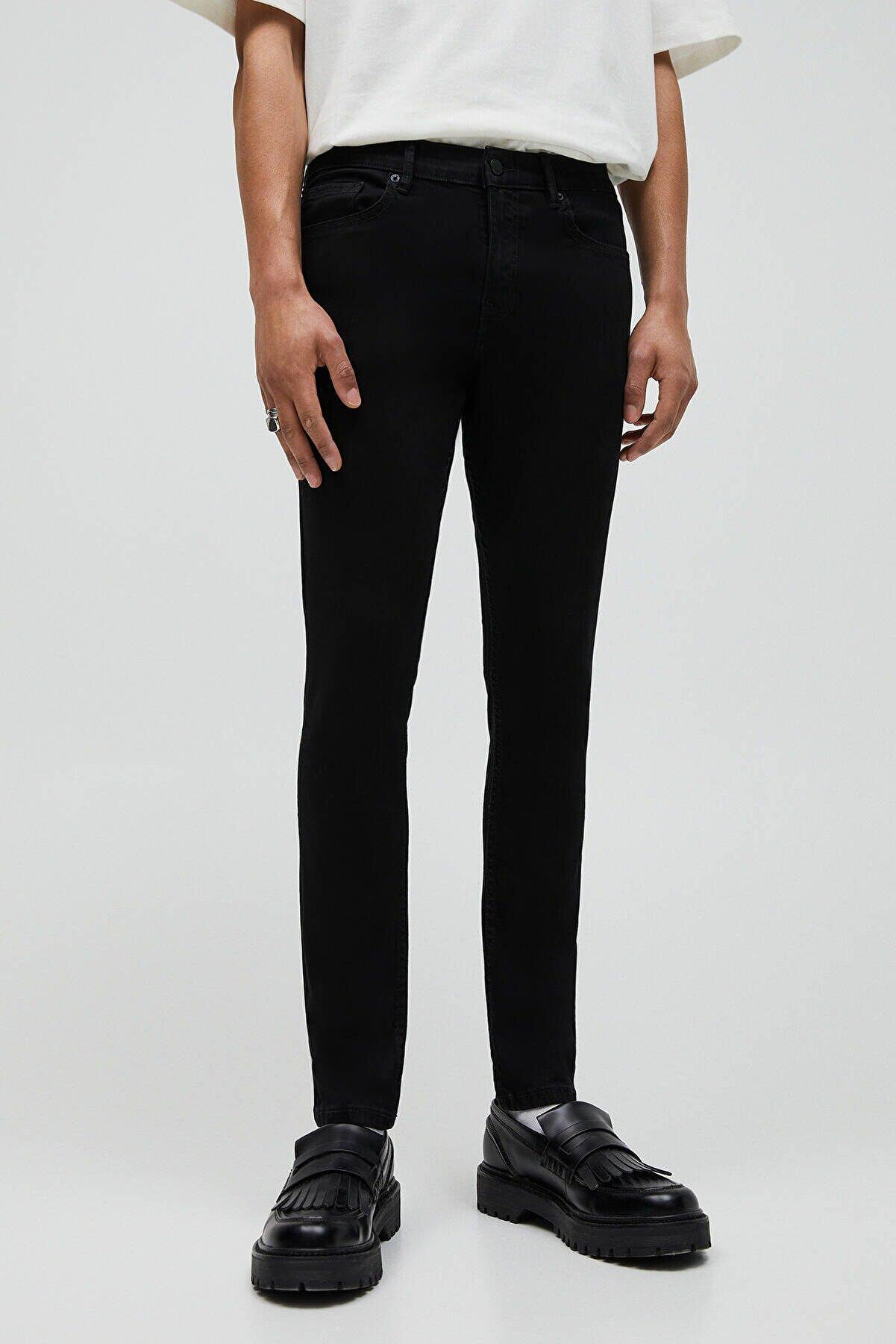 Pull & Bear Erkek Siyah Basic Super Skinny Fit Jean 04681525
