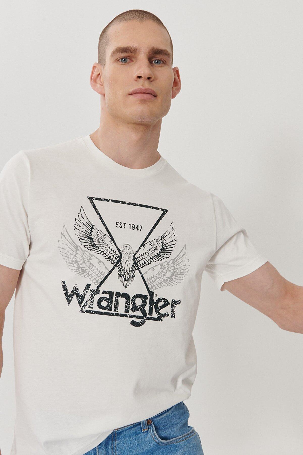 Wrangler Erkek Kırık Beyaz Regular Fit Bol Kesim Sıfır Yaka %100 Pamuk Logolu Tişört
