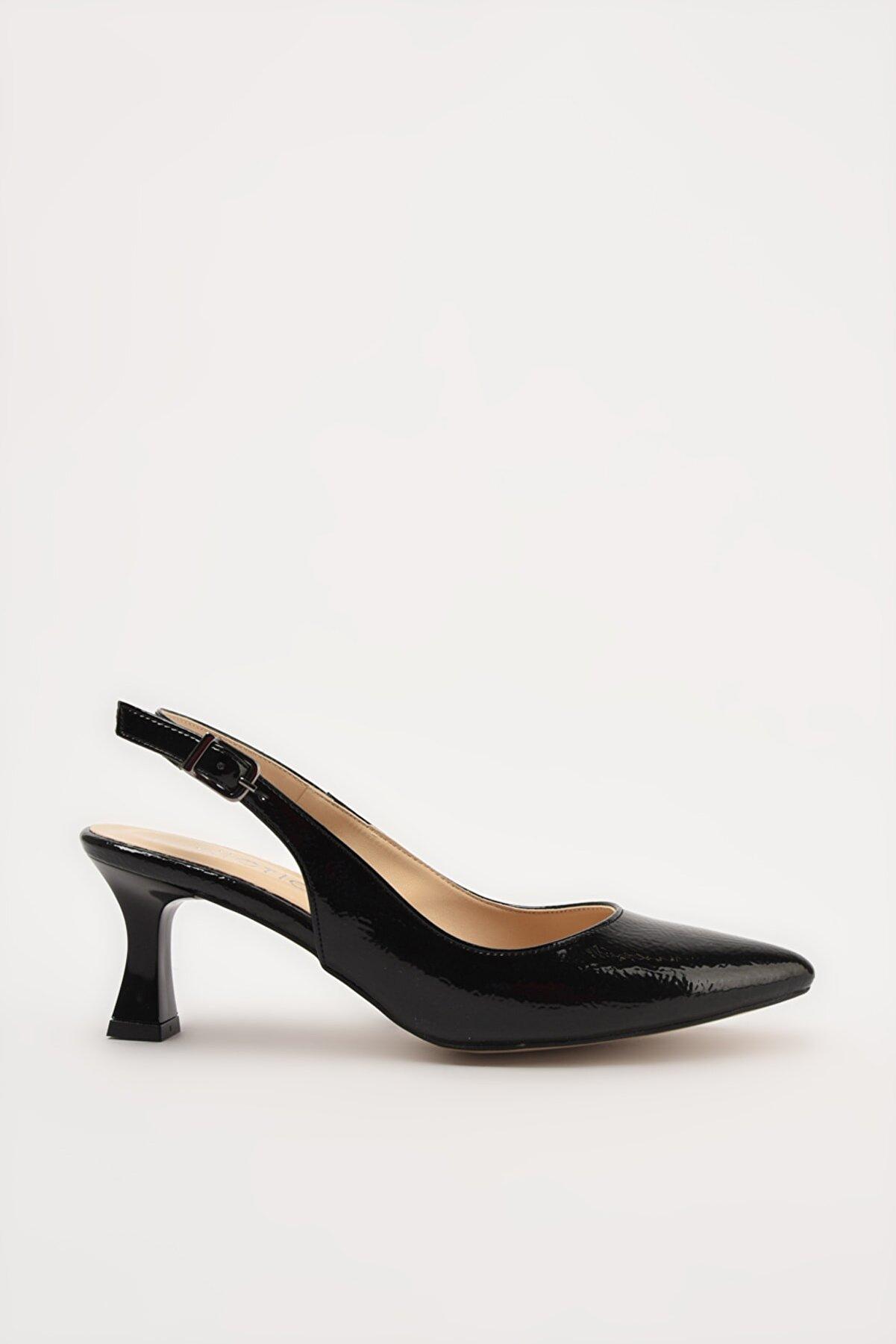 Hotiç Siyah Kadın Klasik Topuklu Ayakkabı 01AYH214440A100