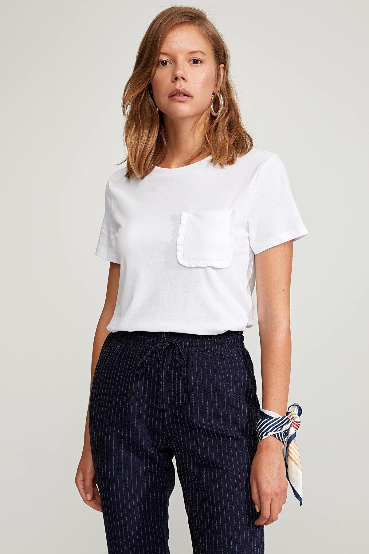 Defacto Kadın Beyaz Regular Fit Basic Kısa Kollu Tişört S5089AZ20HSWT