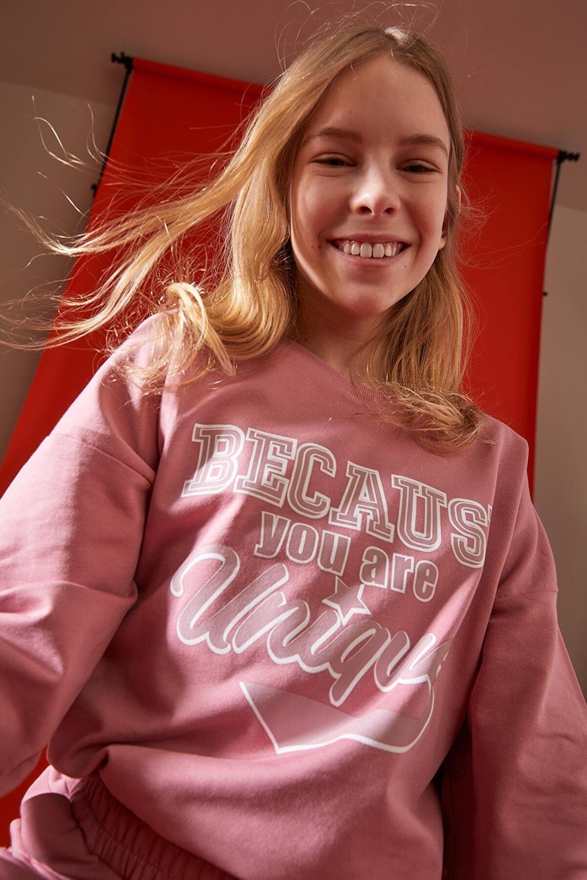 Defacto Kız Çocuk Yazı Baskılı Düşük Omuzlu Sweatshirt