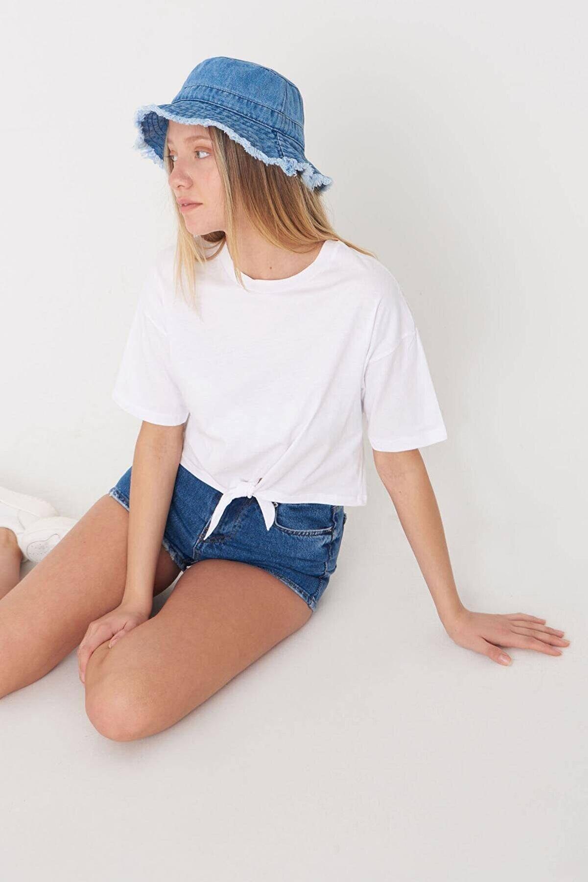 Addax Kadın Beyaz Önden Bağlamalı Basic T-Shirt P0664 - C13 Adx-0000019040
