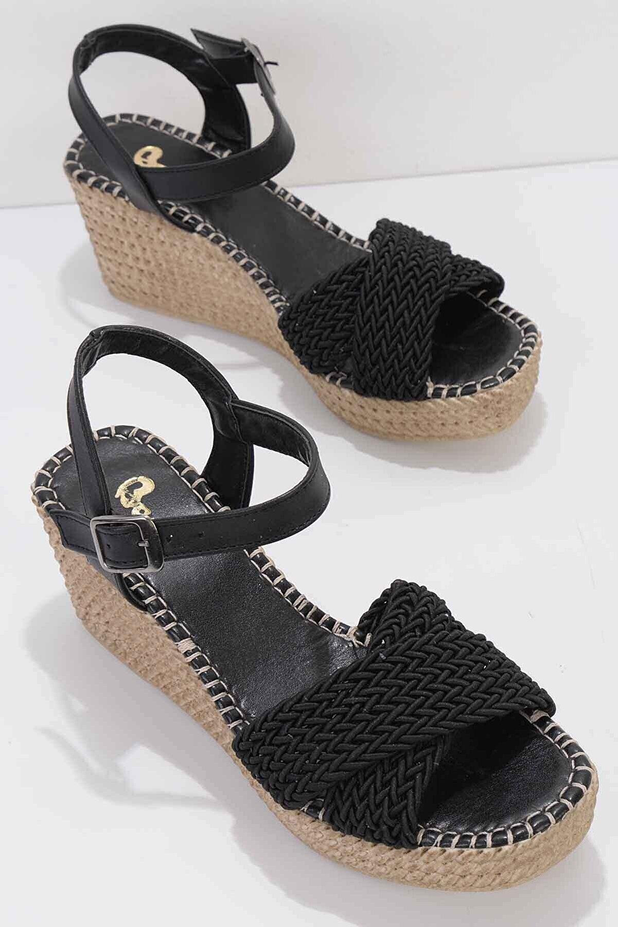 Bambi Siyah Kadın Dolgu Topuklu Ayakkabı K05688015016