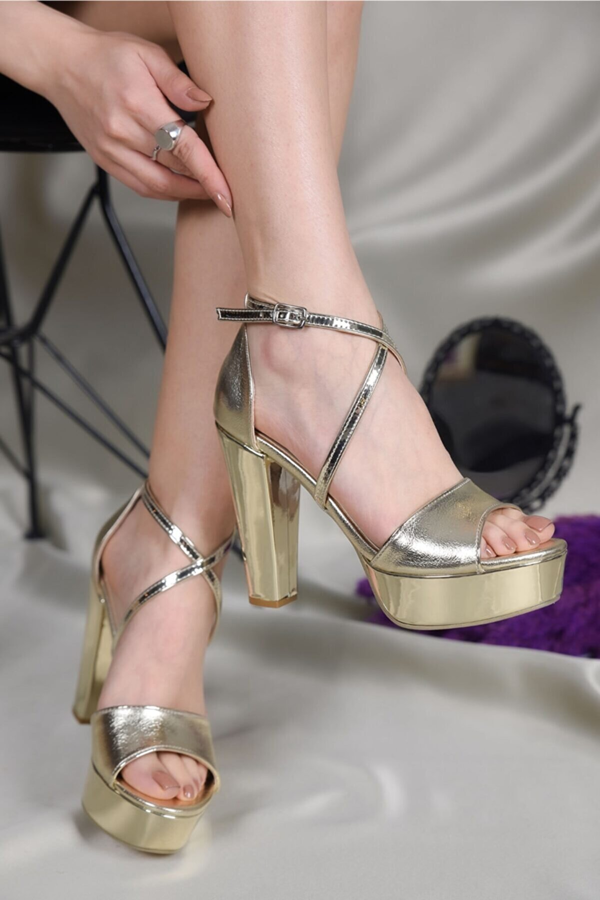 LİLLA AYAKKABI Kadın Altın Platform Topuklu Abiye Ayakkabı