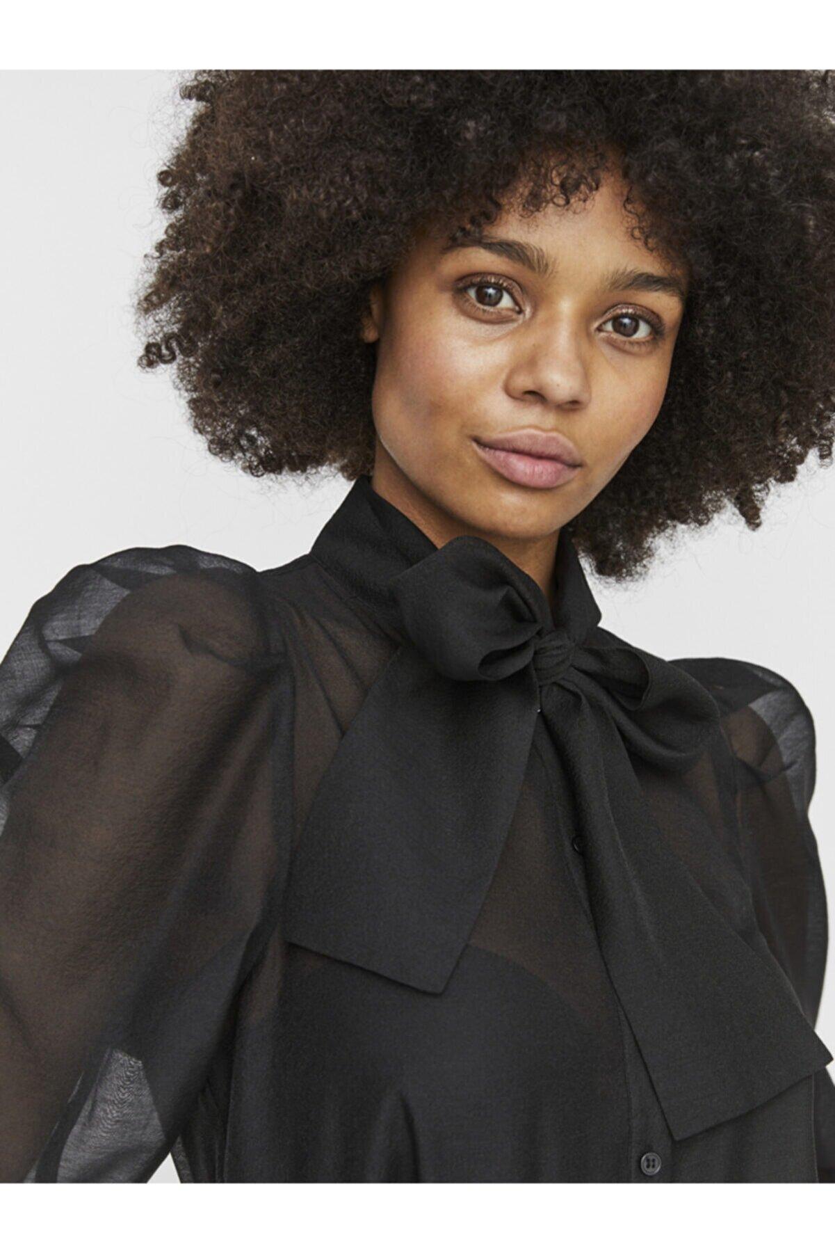 Vero Moda Kadın Siyah Boyundan Fiyonklu Gömlek 10233882 VMBRIANA