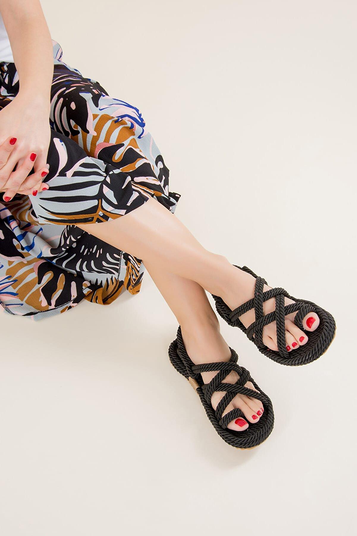Fox Shoes Siyah Kadın Sandalet F470135104