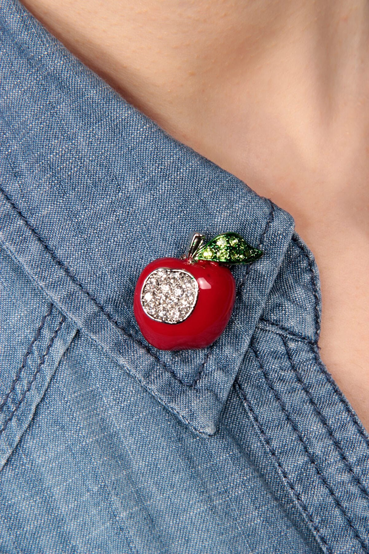 Modex Elma yaka broşu