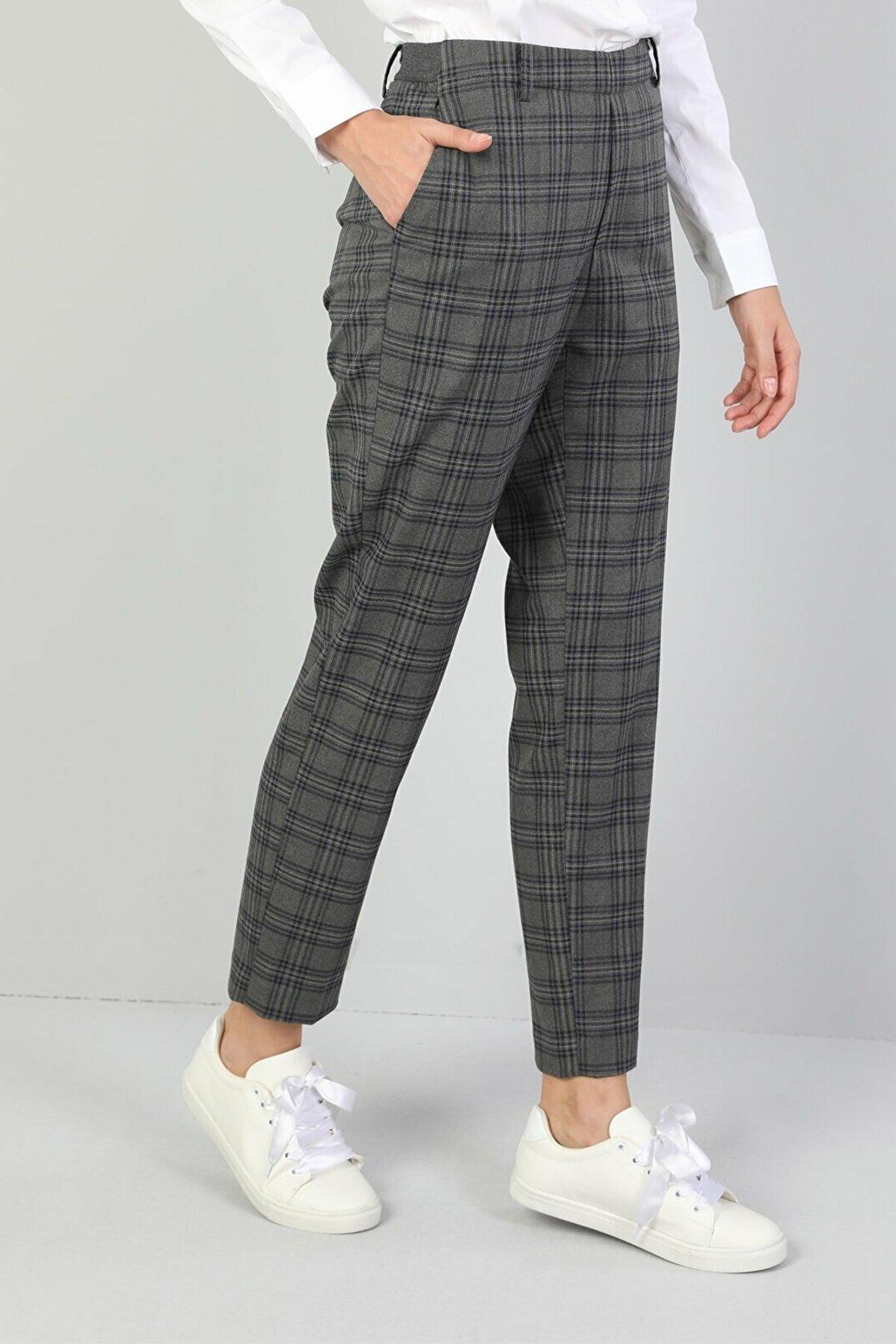 Colin's KADIN Slim Fit Düşük Bel Düz Paça Kadın Koyu Gri Pantolon CL1044965