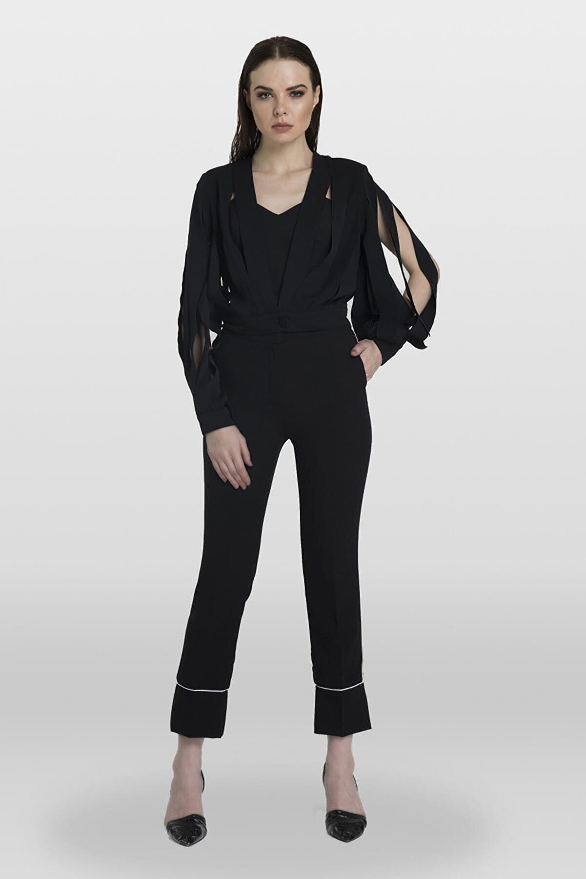 Tara Coşkuntuncel Siyah Lazer Kesim Bluz Ceket