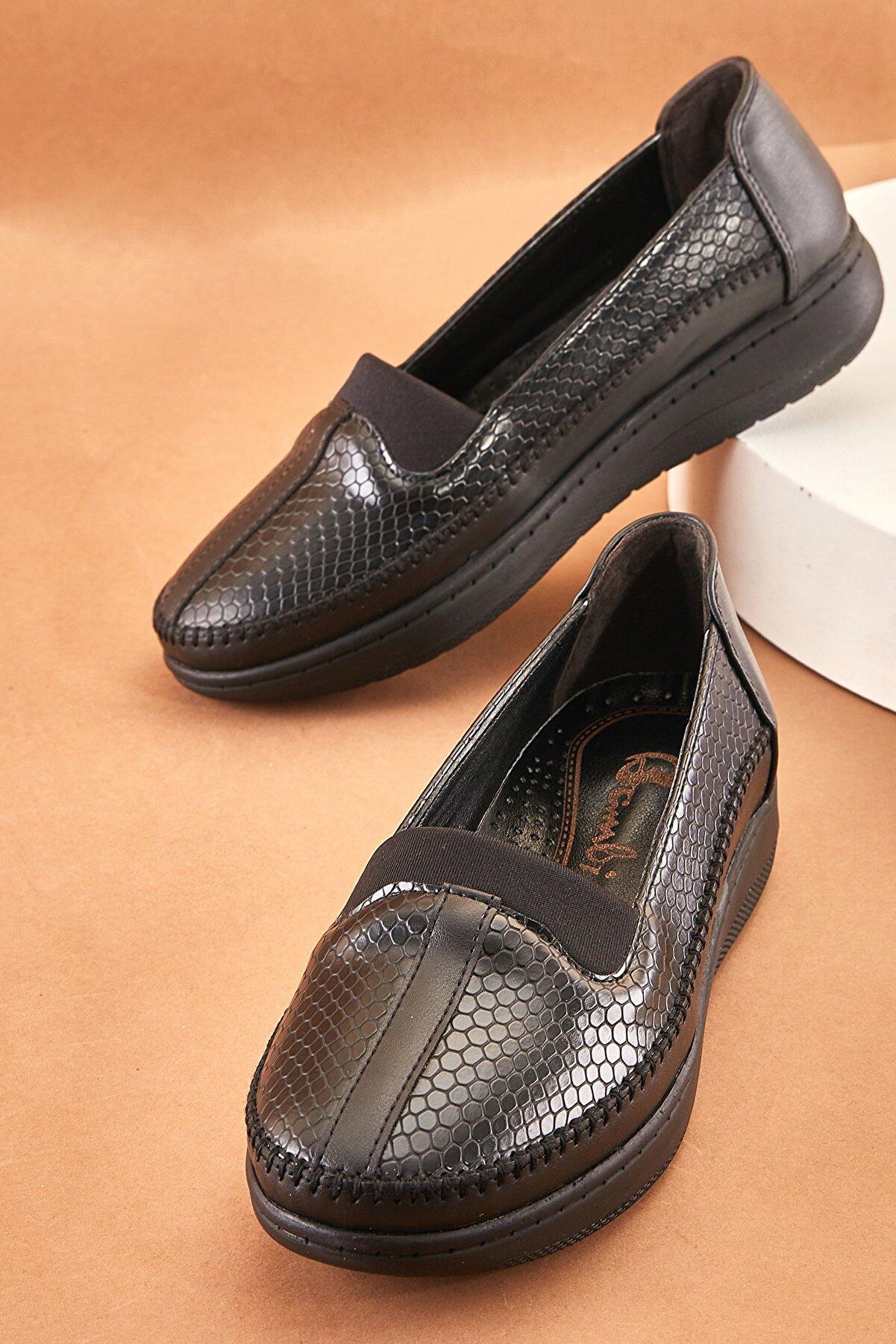 Bambi Siyah Kadın Casual Ayakkabı K0501000209