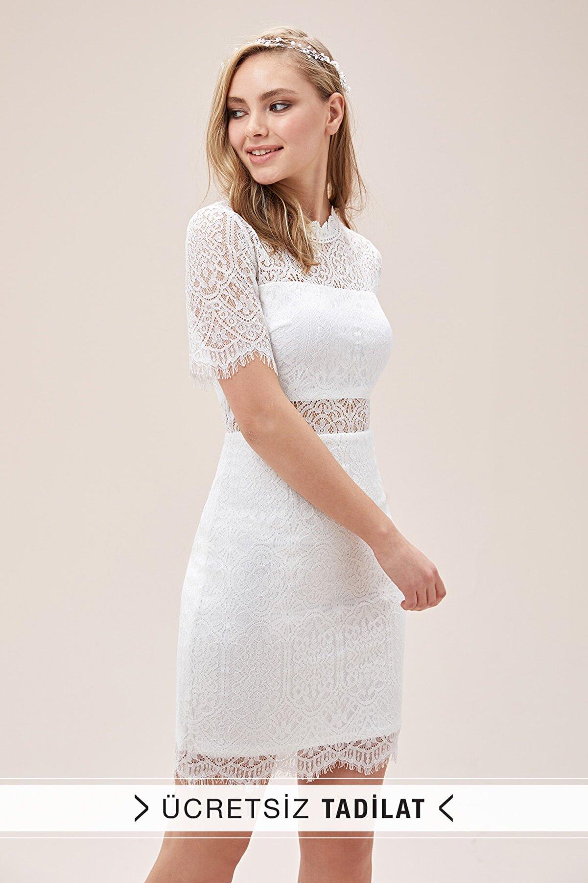 Oleg Cassini Kadın Beyaz Dantel İşlemeli Kısa Kollu Yüksek Yaka Kısa Nikah Elbisesi WBM1701