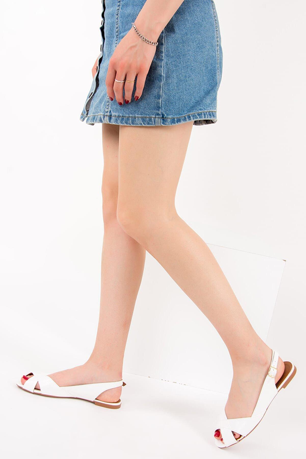 Fox Shoes Beyaz Kadın Sandalet 9726106609