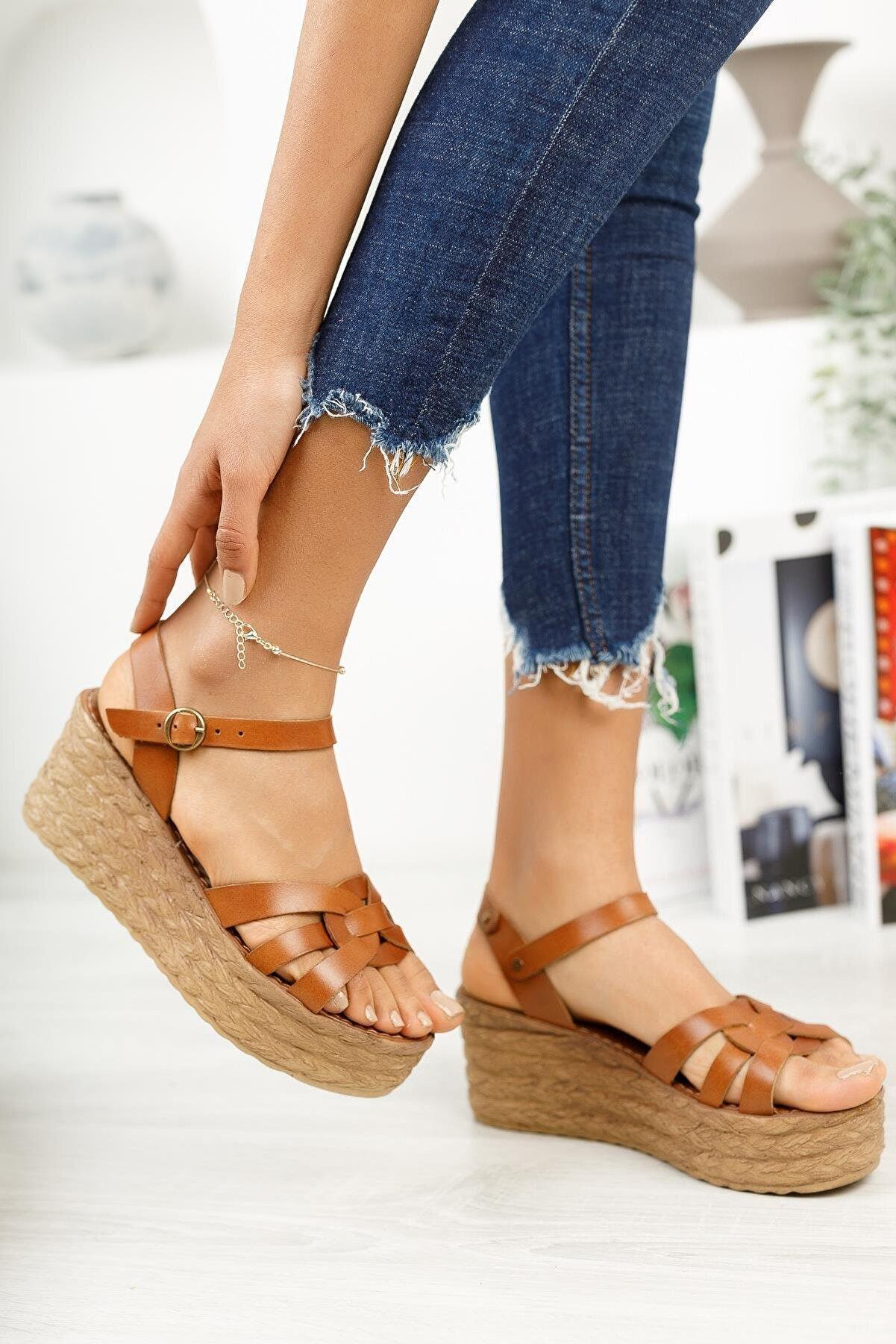 Muggo Kadın Kahverengi Hakiki Deri Dolgu Topuk Sandalet