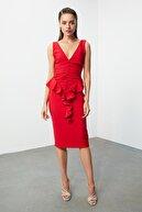 TRENDYOLMİLLA Kırmızı Volan Detaylı  Elbise TPRSS20EL1484