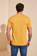 TRENDYOL MAN Hardal Erkek Kısa Kollu Cepli  Slim Fit T-Shirt TMNSS20TS0305